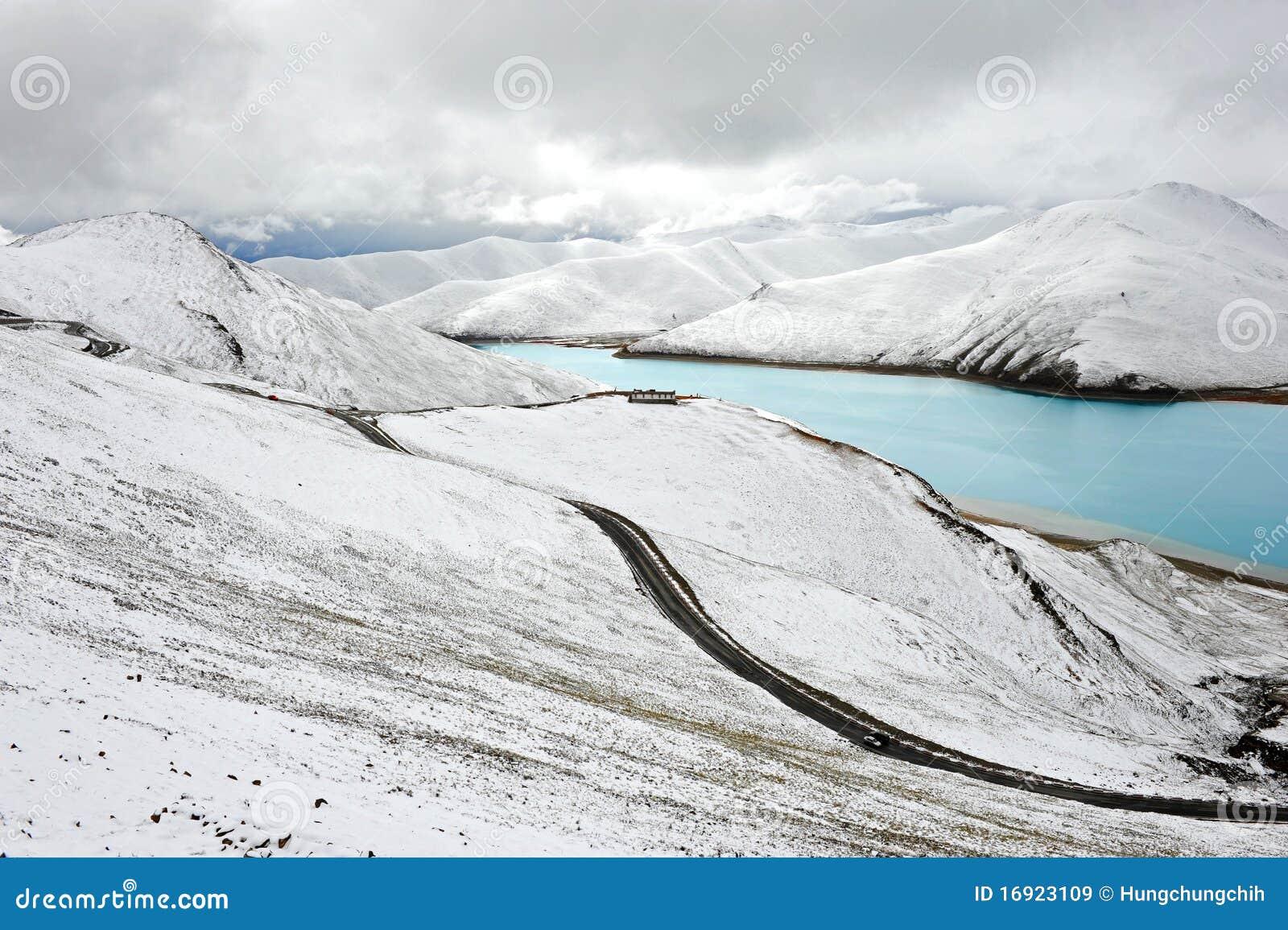 естественный снежок Тибет пейзажа