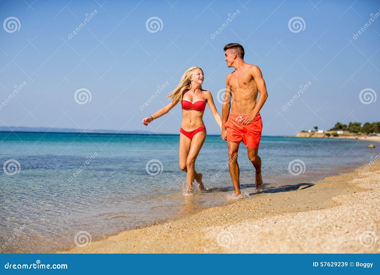 детеныши пляжа