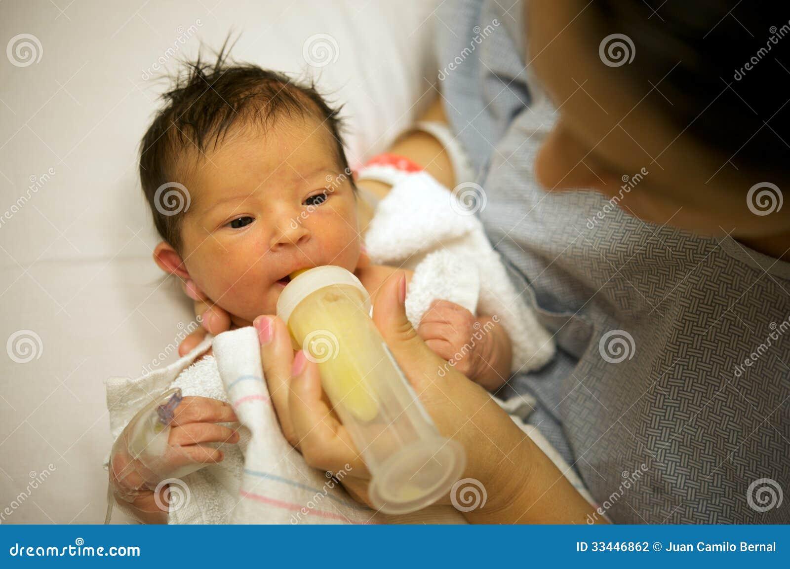 Еда младенца первая