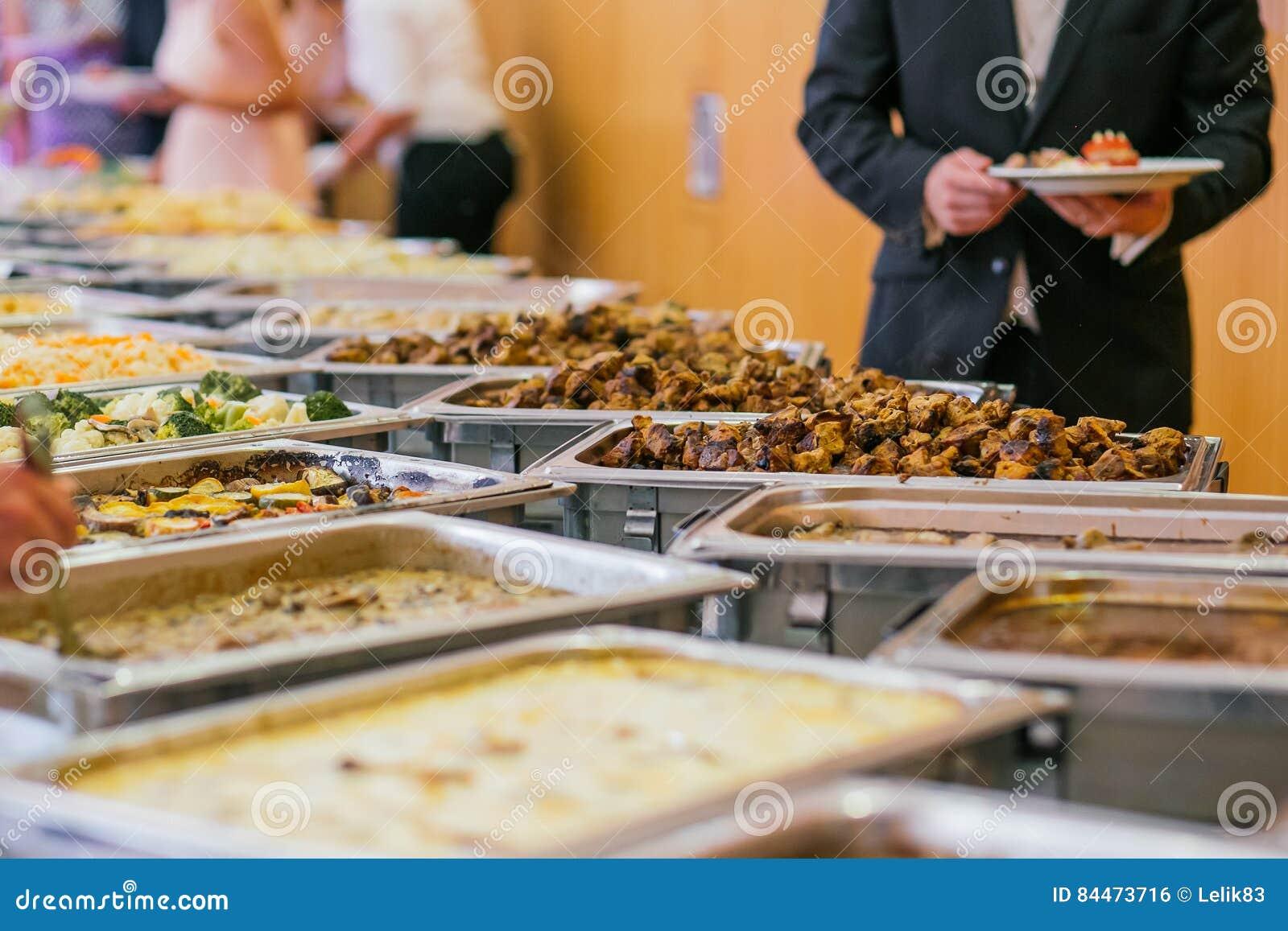 Еда шведского стола свадьбы ресторанного обслуживании