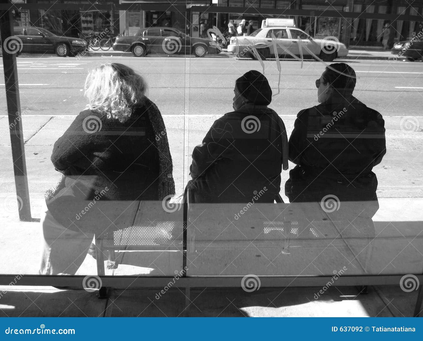 Download ждать шины стоковое фото. изображение насчитывающей америка - 637092