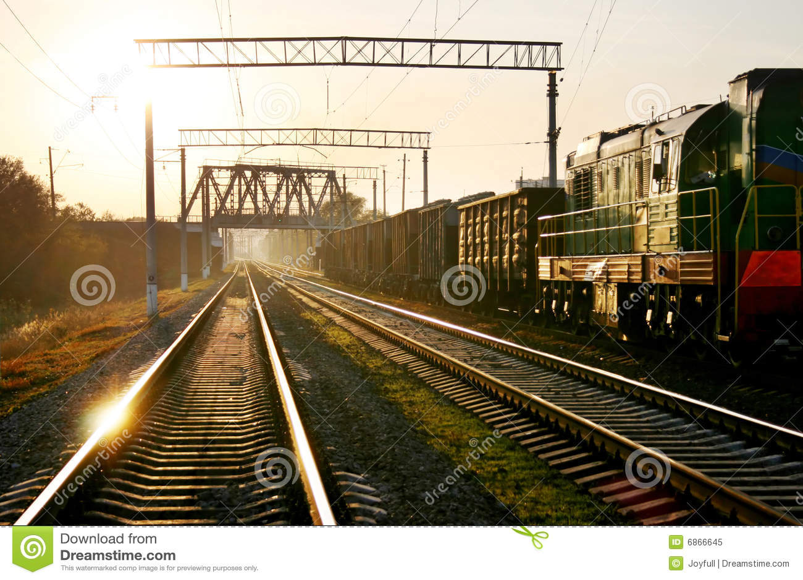 железнодорожный заход солнца