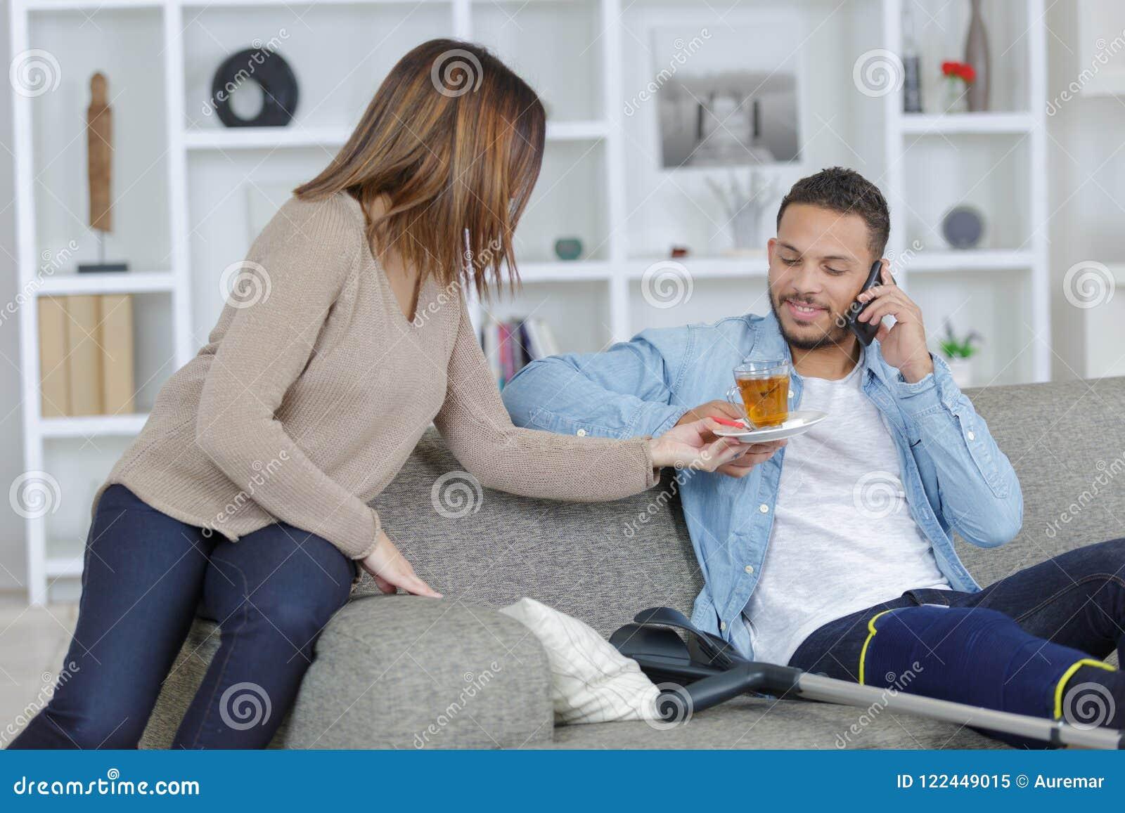 муж жена и подружка онлайн мне