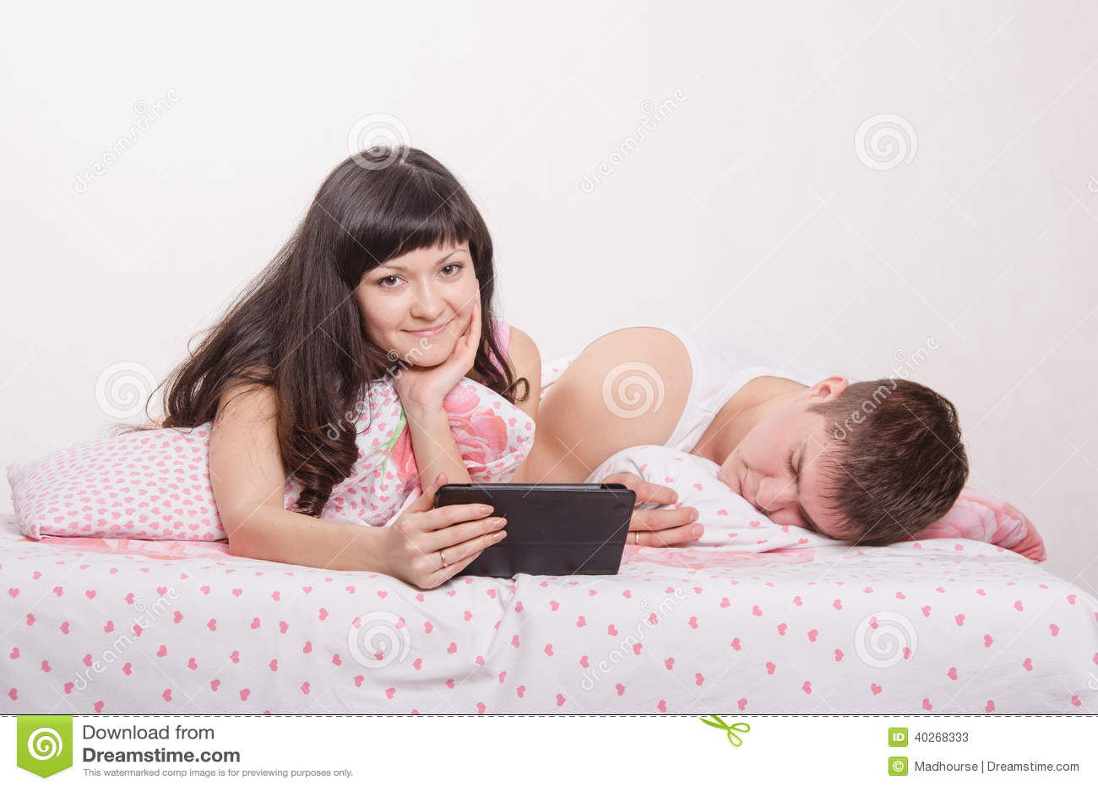 Я жена и друг в постеле 21 фотография