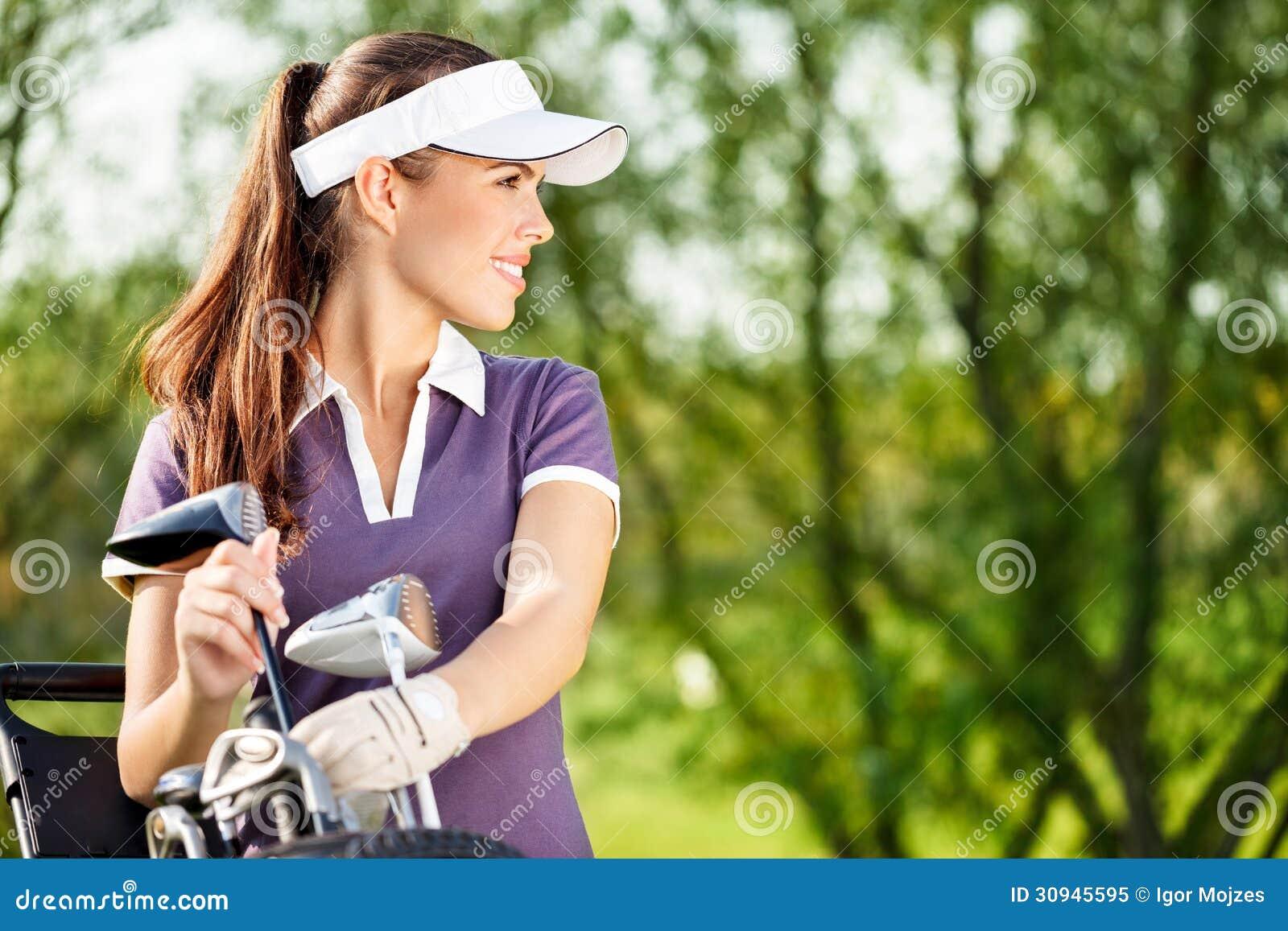 Женский игрок в гольф