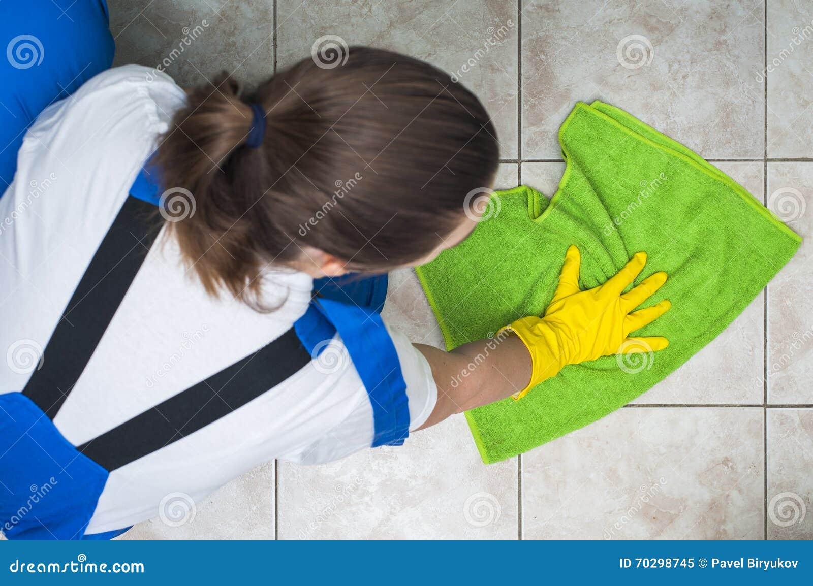 Женский привратник в полах чистки workwear