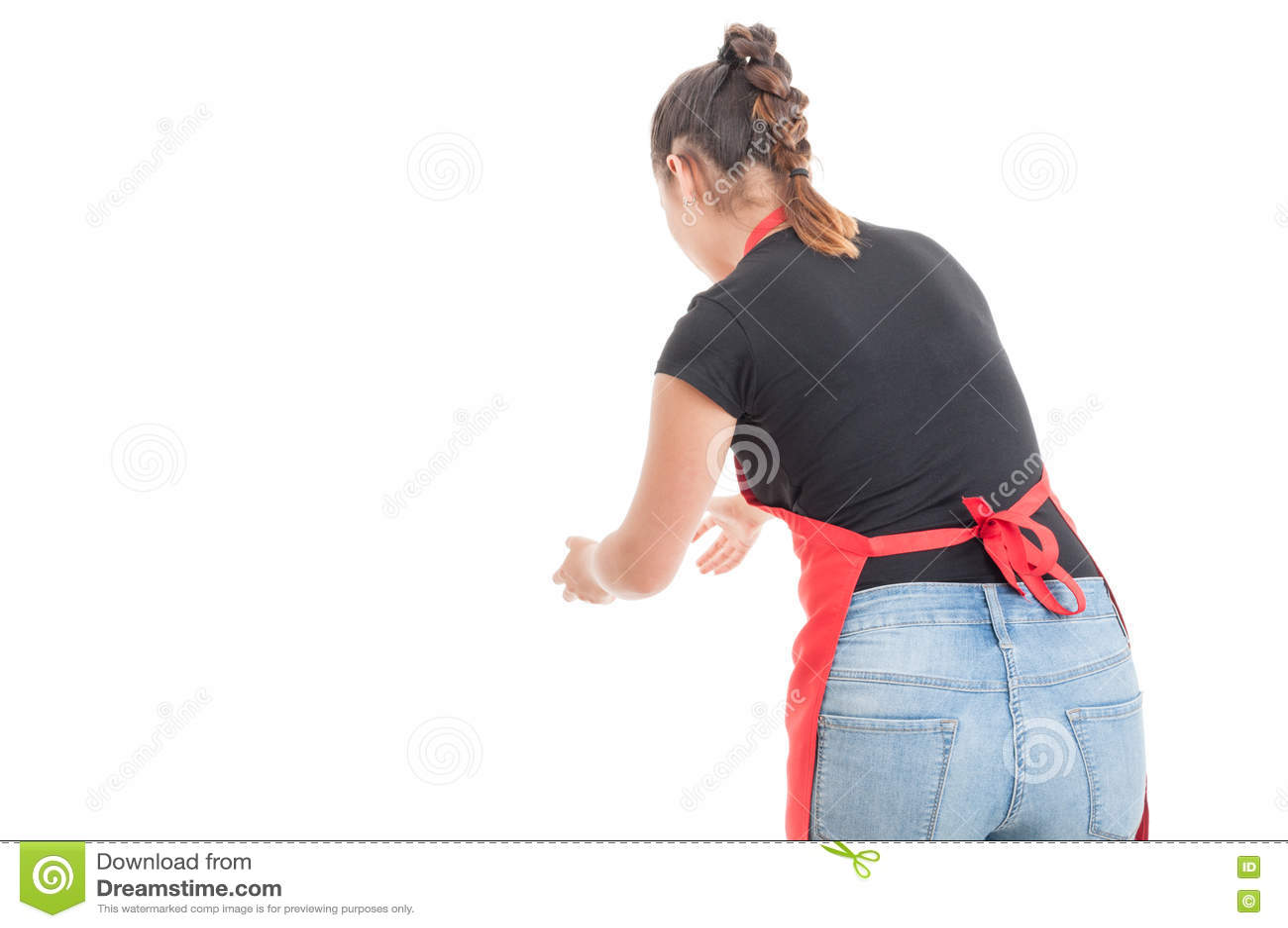 Женский работник при рисберма улавливая что-то