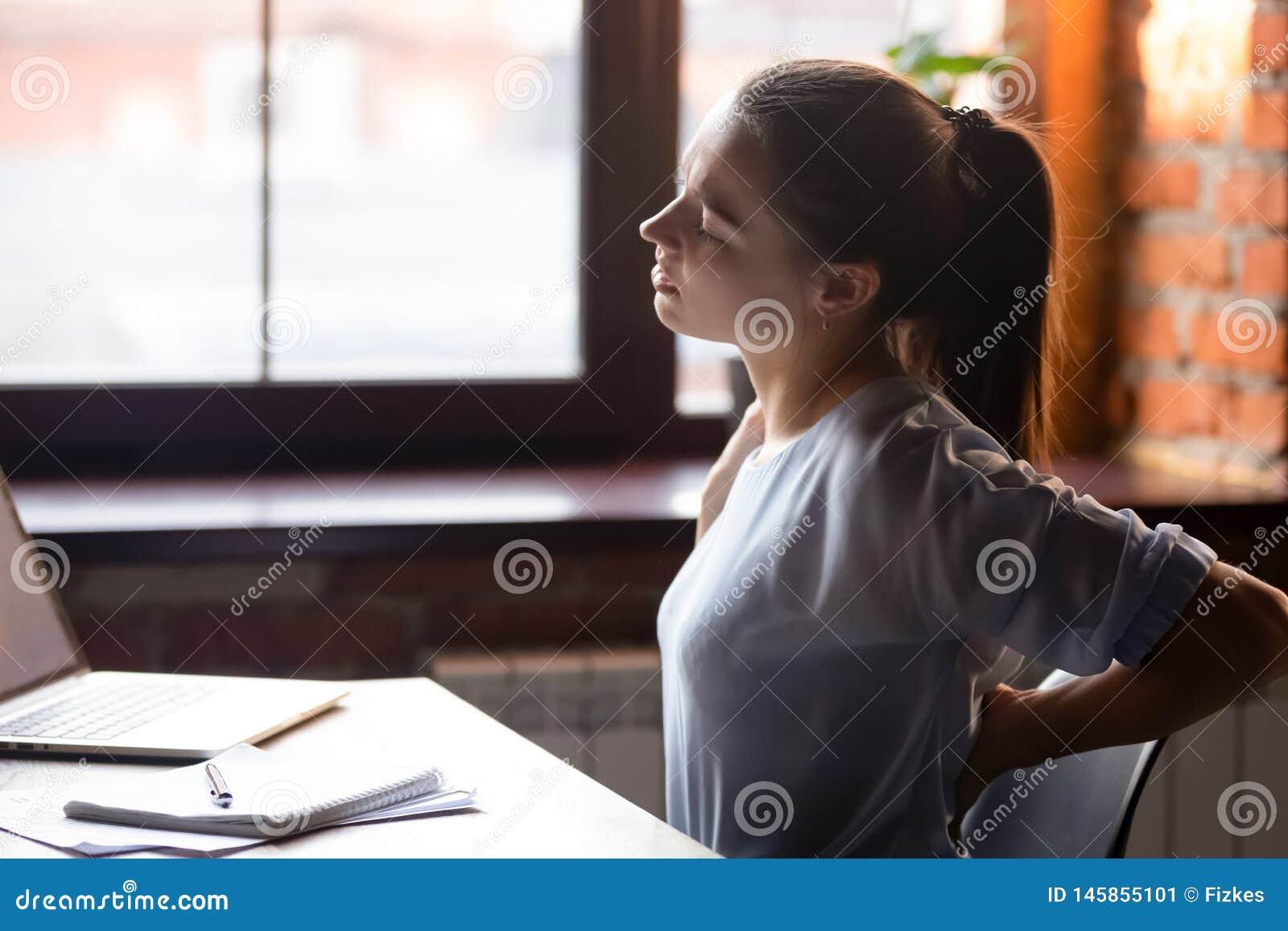Девушка сидячая работа работа для фото модели в москве