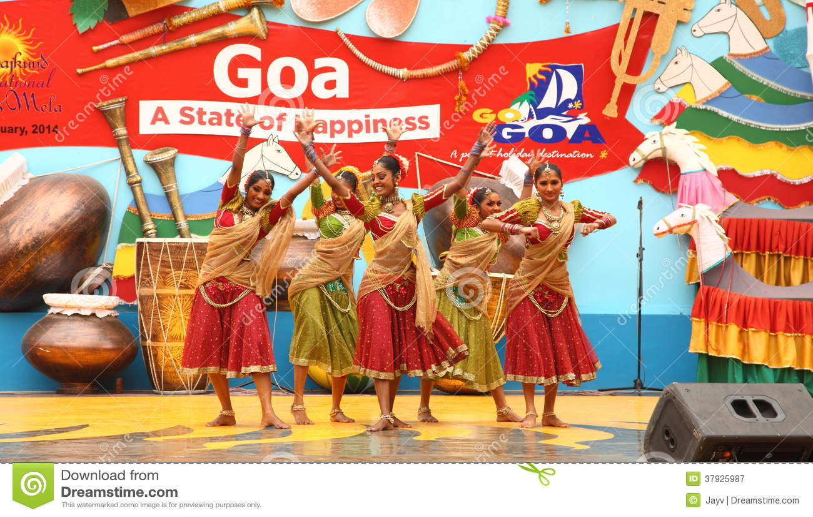 Женский фольклорный танцор Шри-Ланки