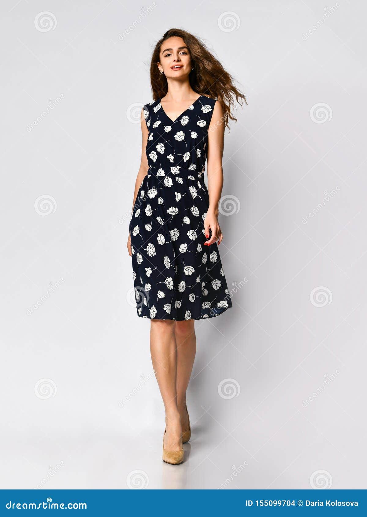 девушка модель для каталога одежды