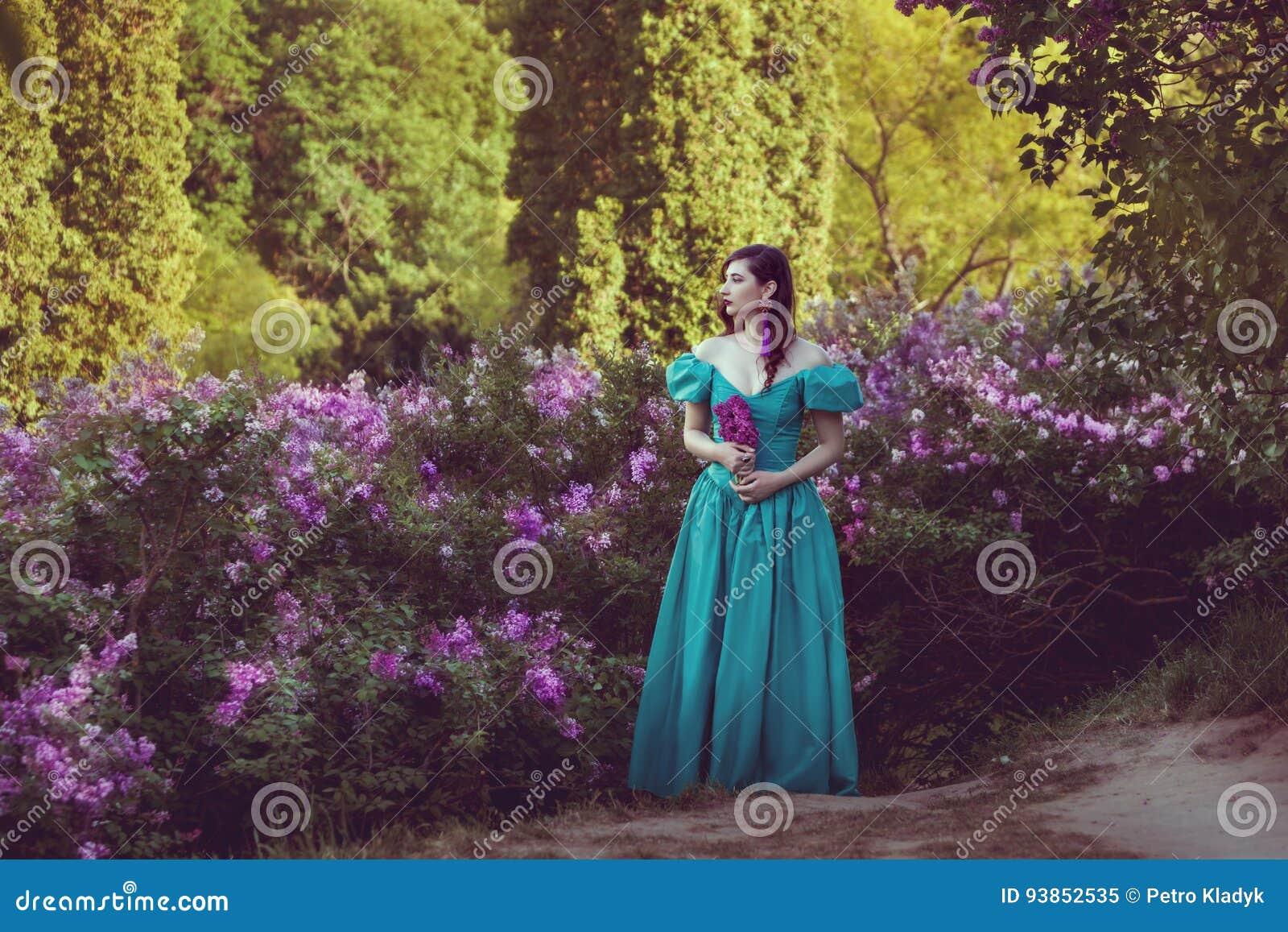 Женшины в кустах фото фото 0-911