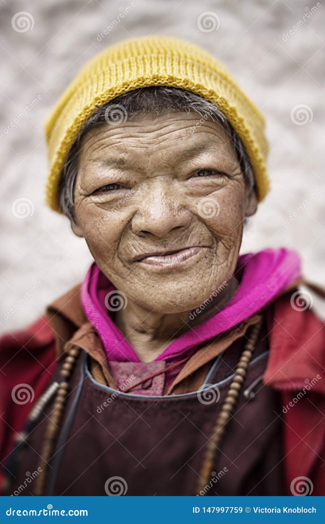 Женщина в Ladakh
