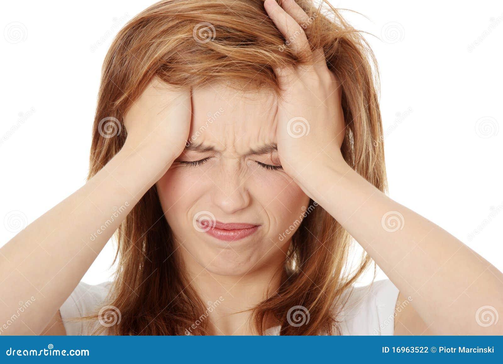 женщина головной боли