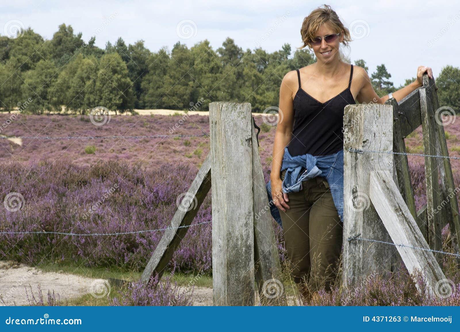 женщина загородки