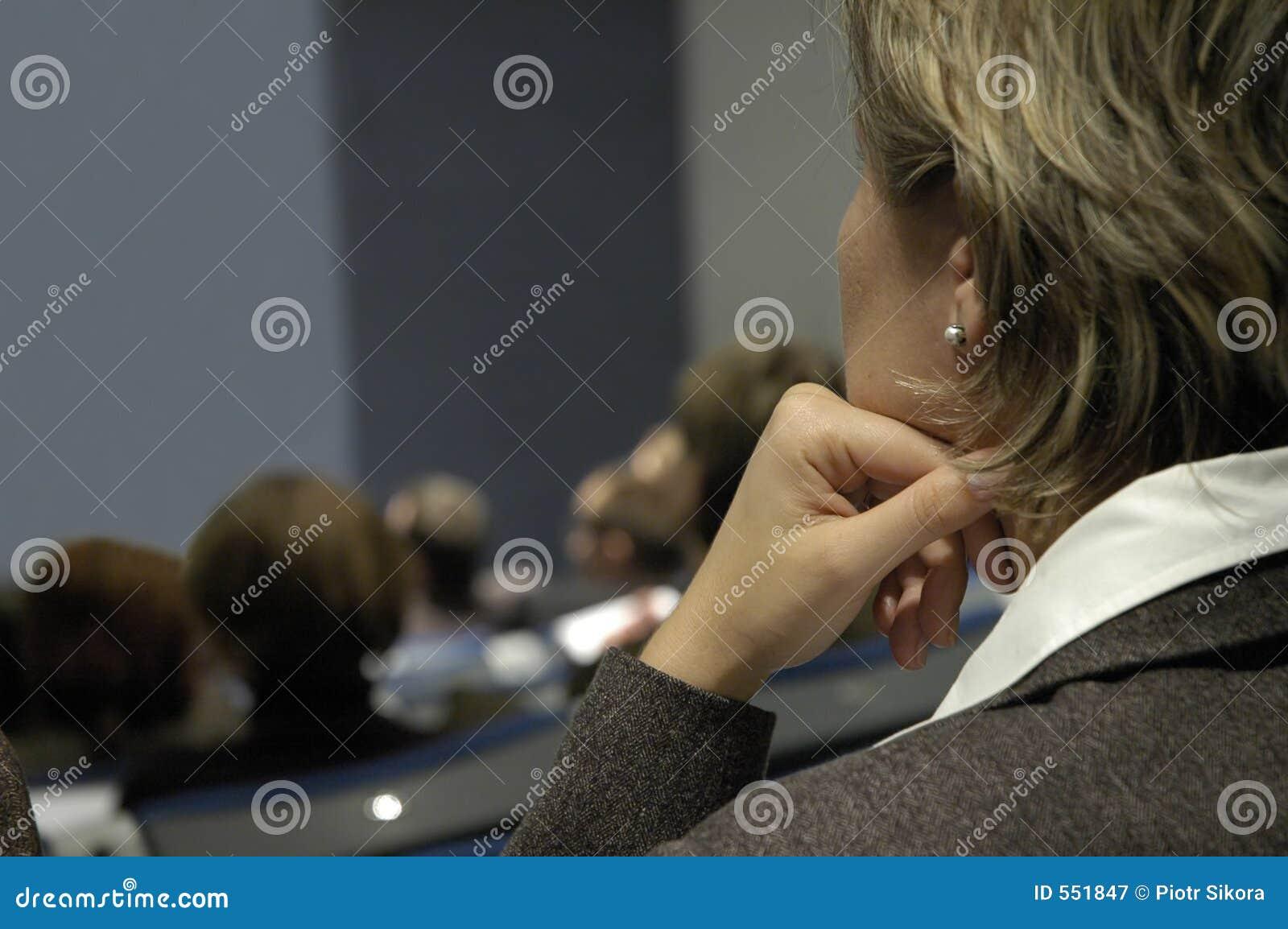 женщина конференции