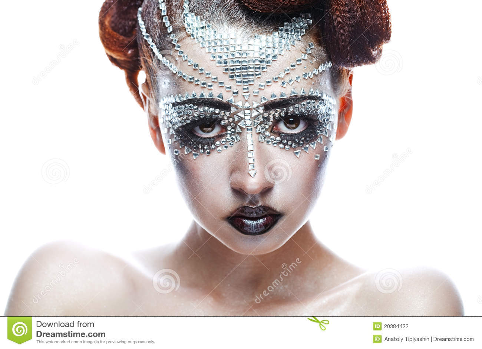Футуристический образ и макияж