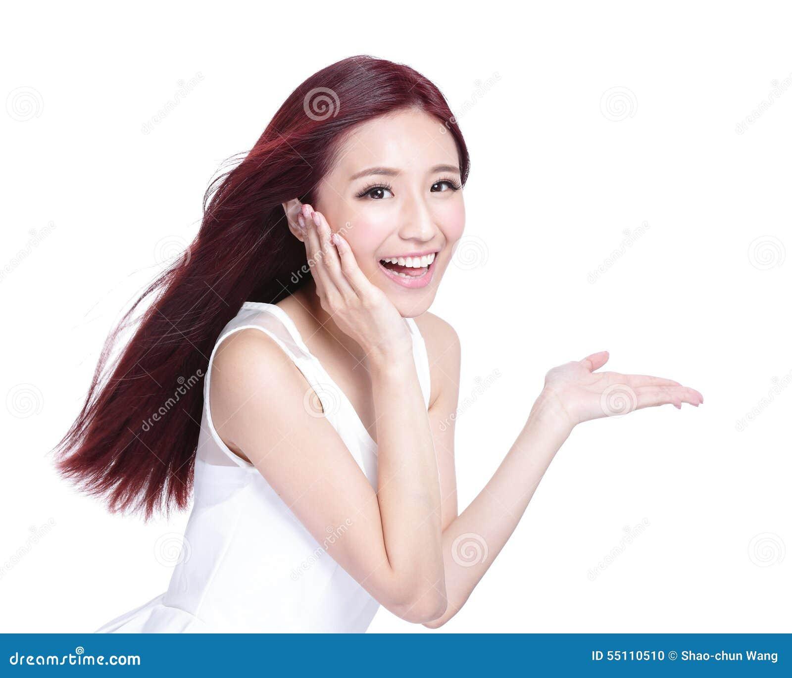 Продшен бразерс, девушка с очаровательной улыбкой