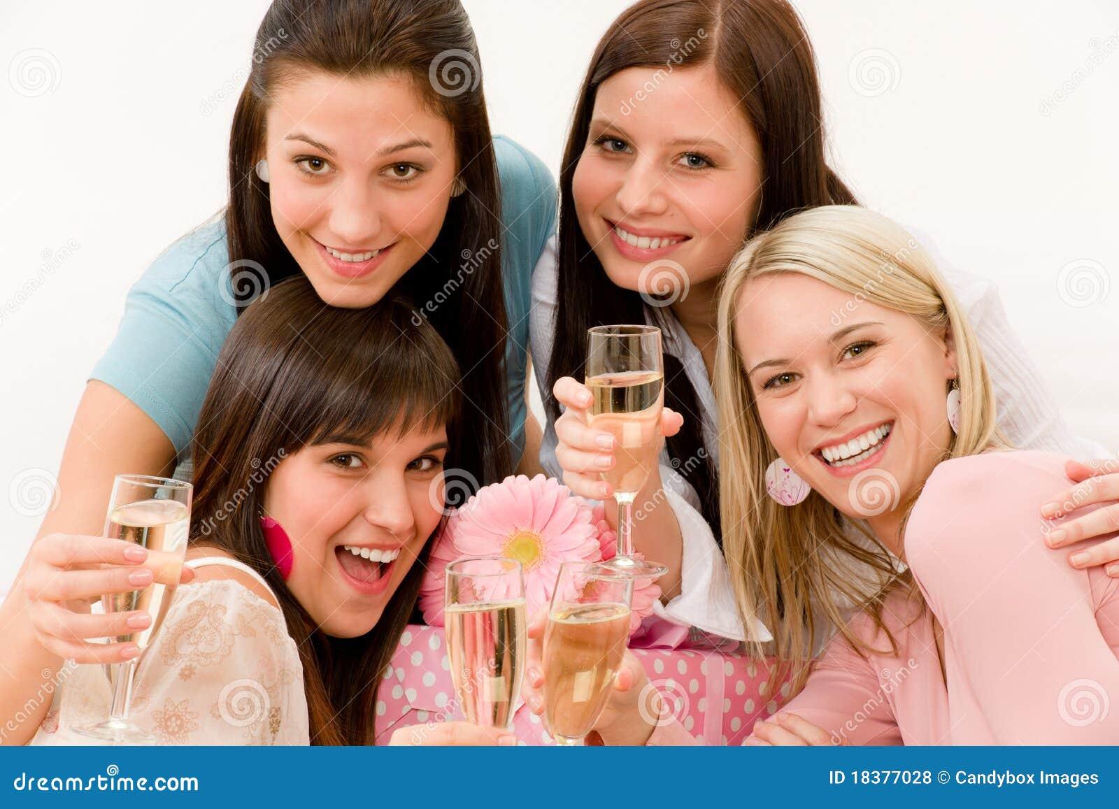женщина партии шампанского торжества дня рождения