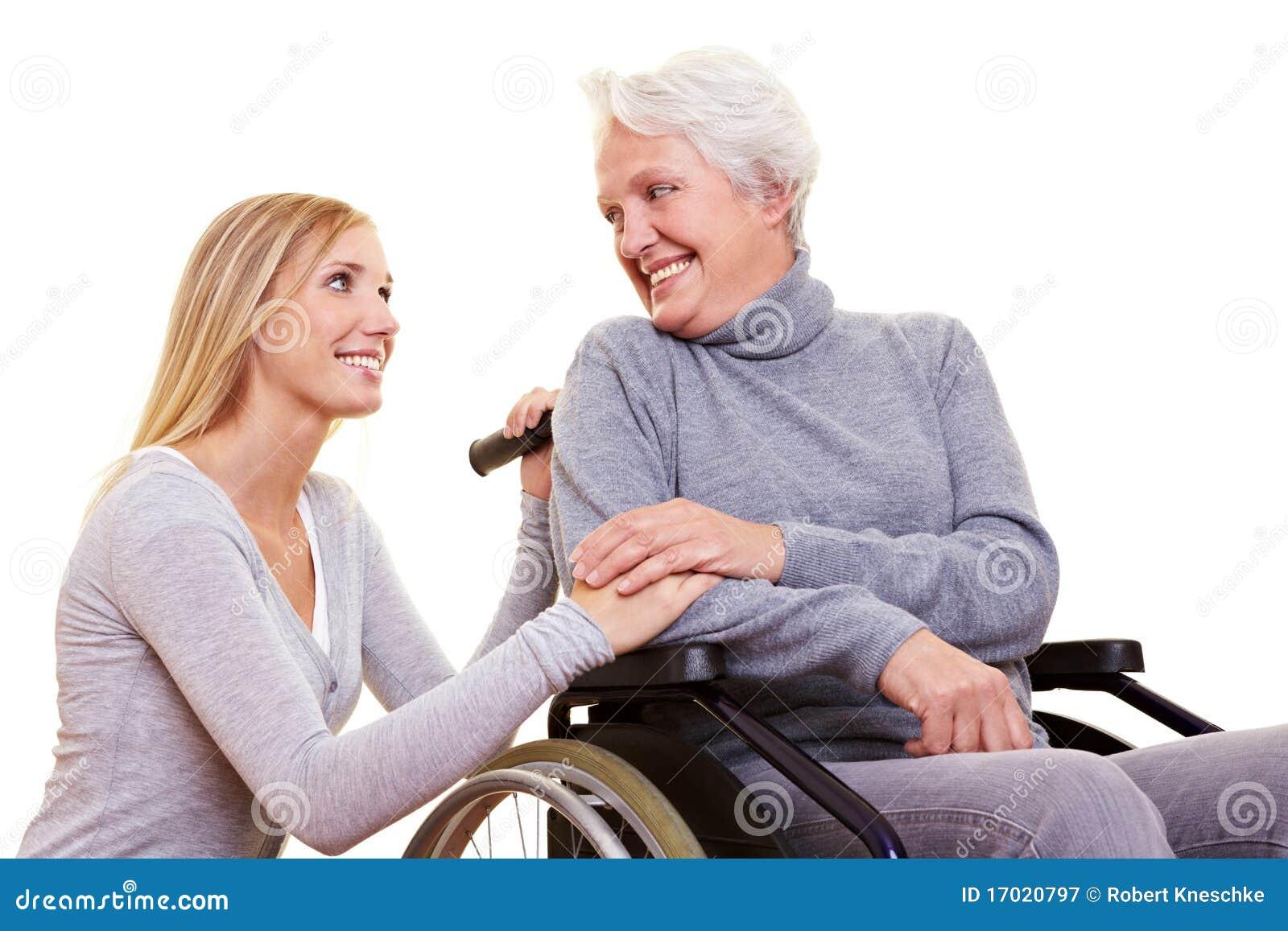 женщина пожилых людей дня внимательности