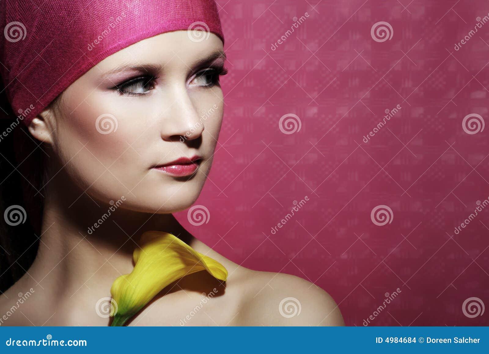 женщина портрета цветка красотки