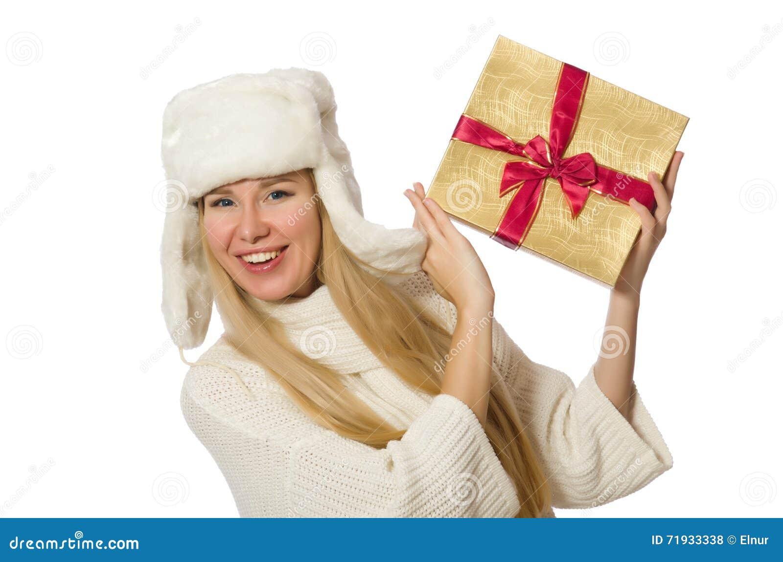 Женщина при giftboxes изолированные на белизне