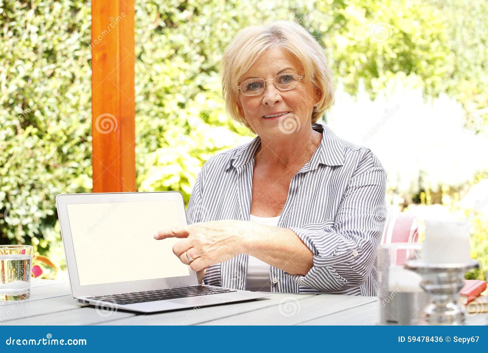 взять займ пенсионеру онлайн