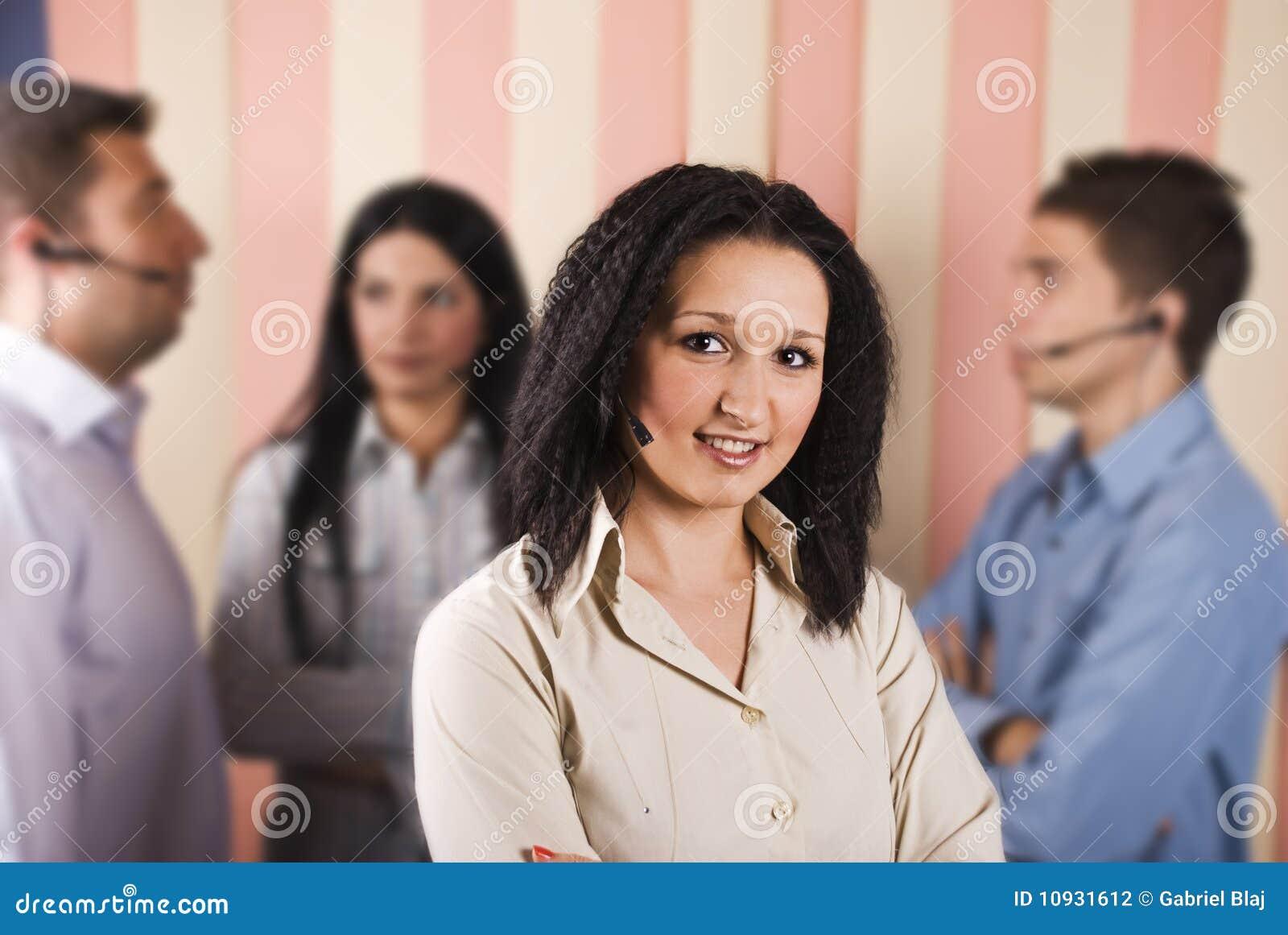 женщина сыгранности обслуживания клиента красотки