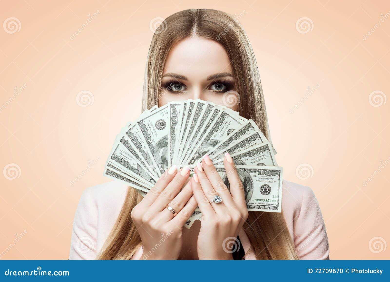 Девушки За Деньги
