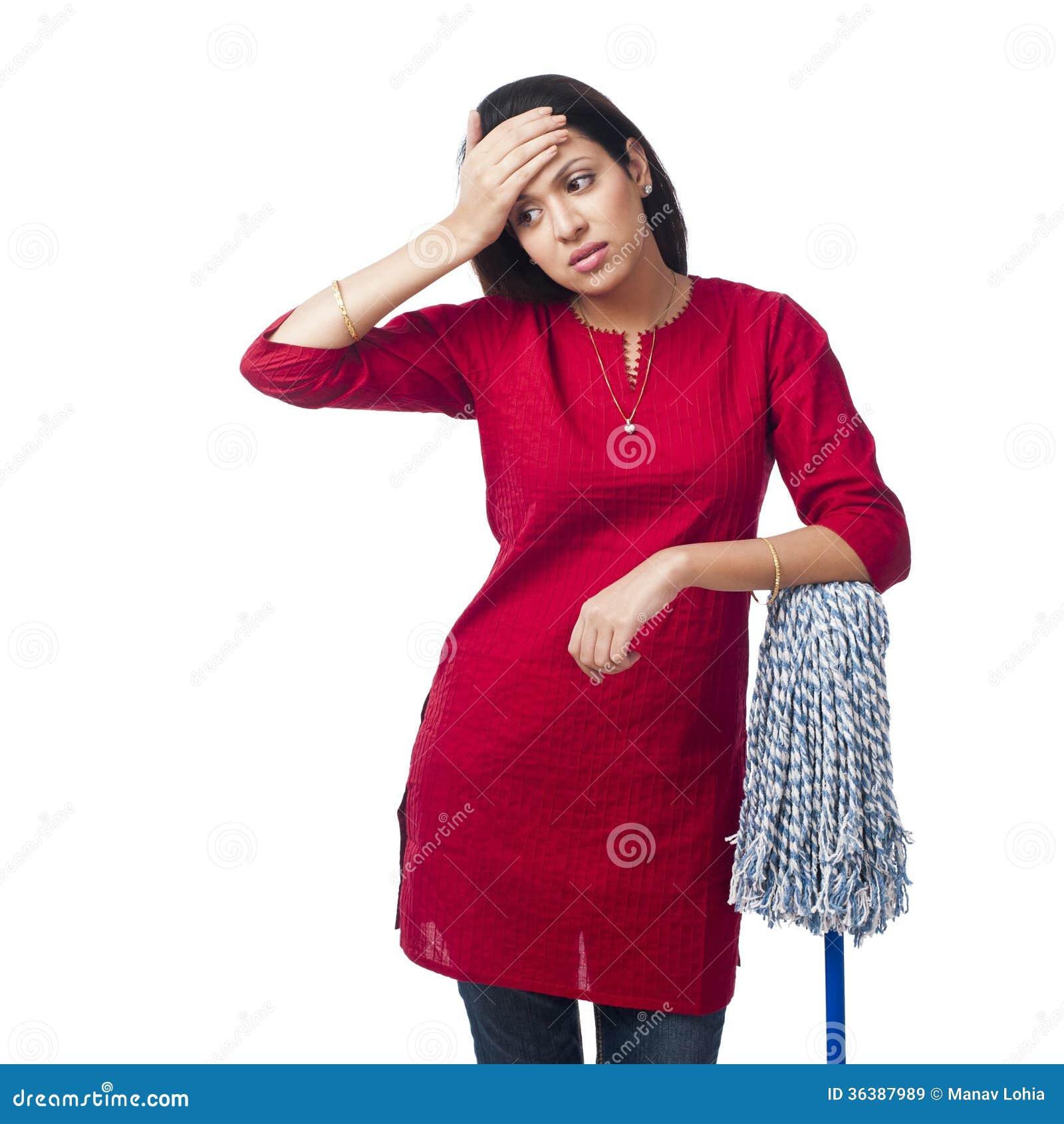 Женщина с mop