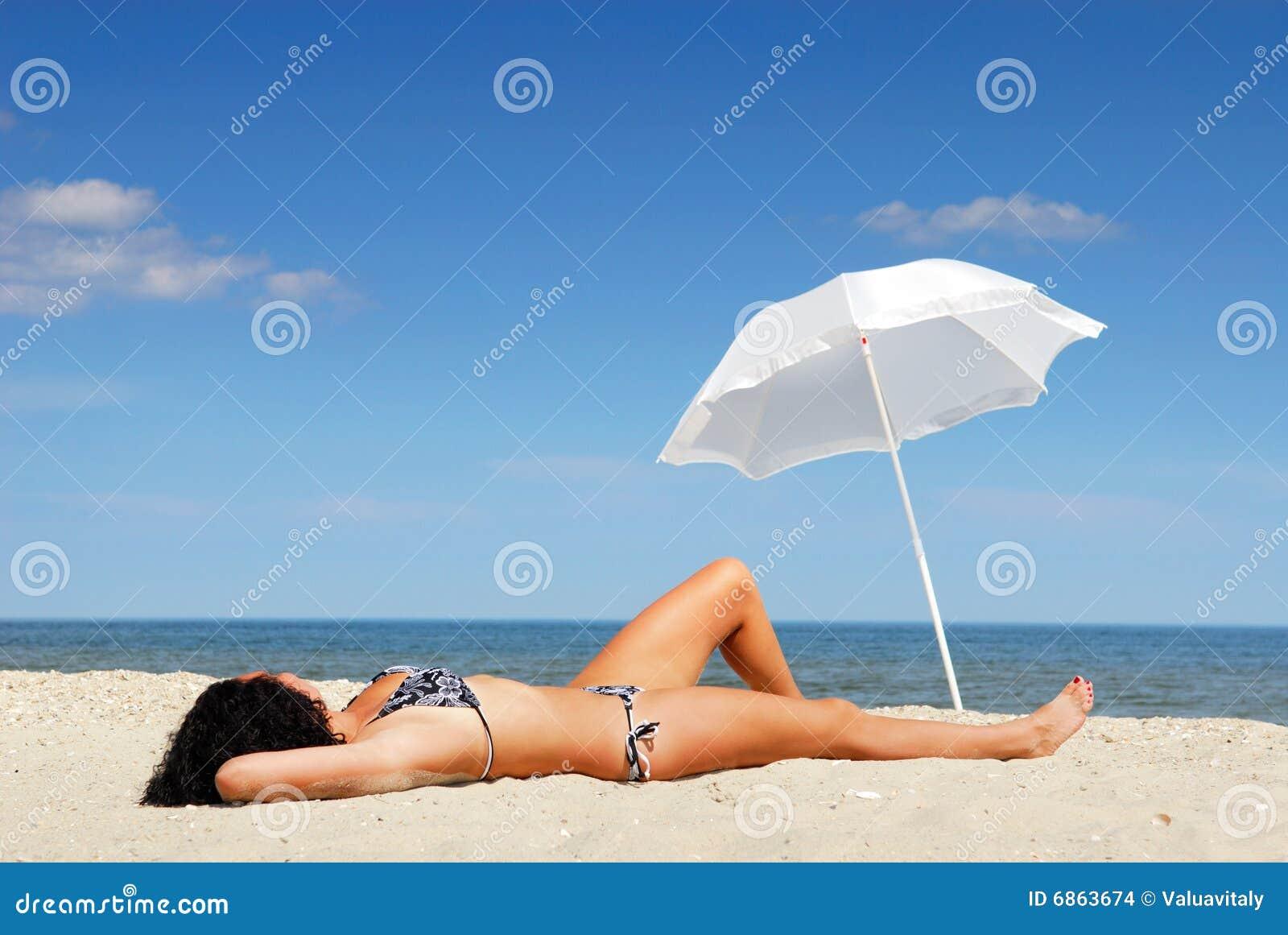 женщина тела пляжа красивейшая