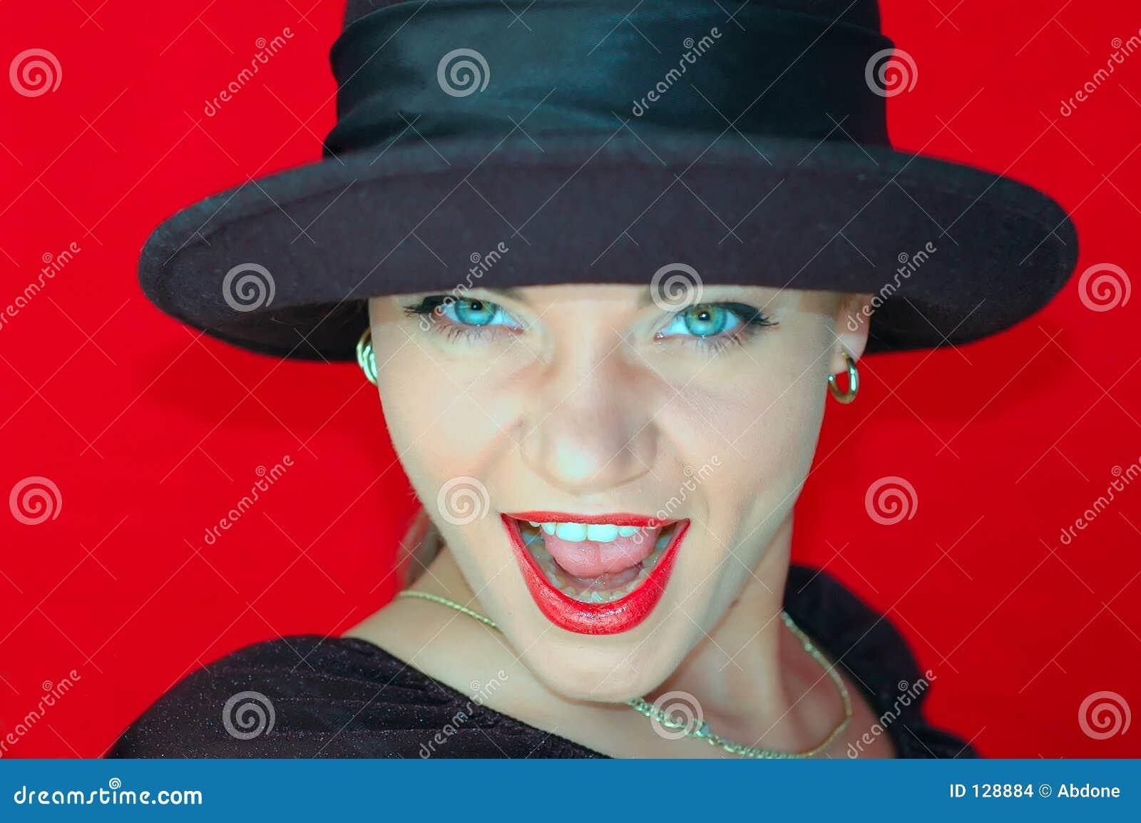 женщина черной шляпы