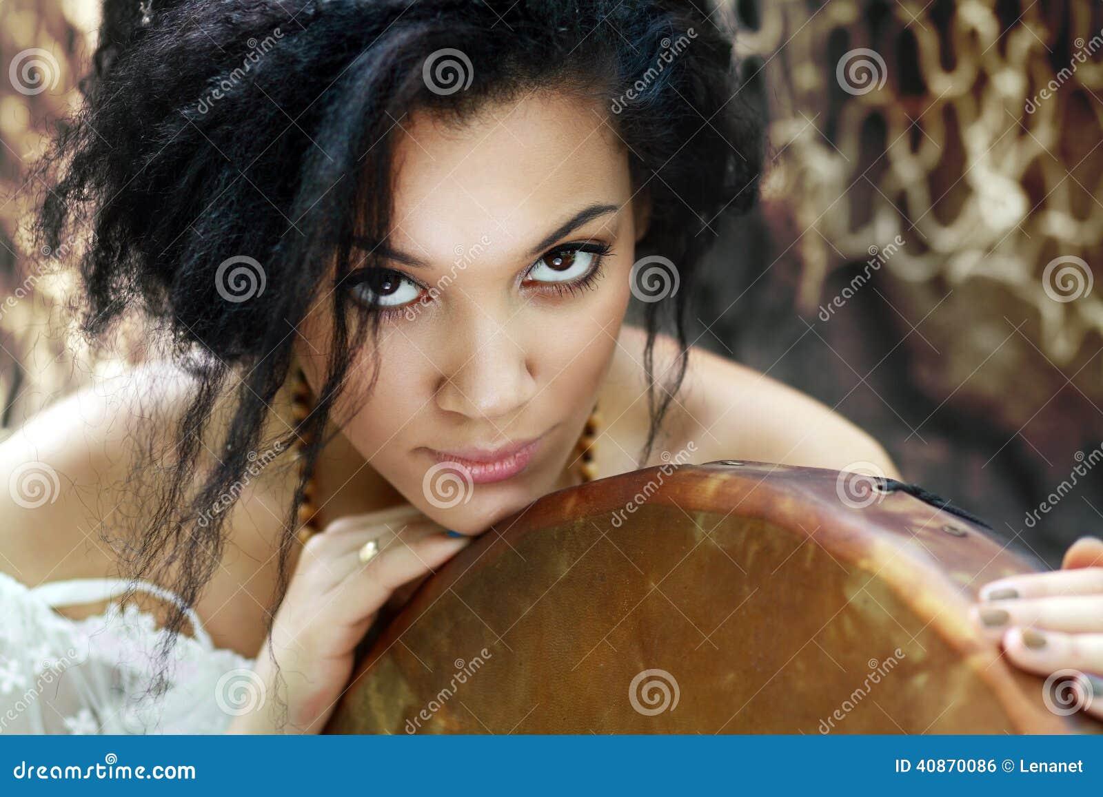 Шаманы. девушка фото