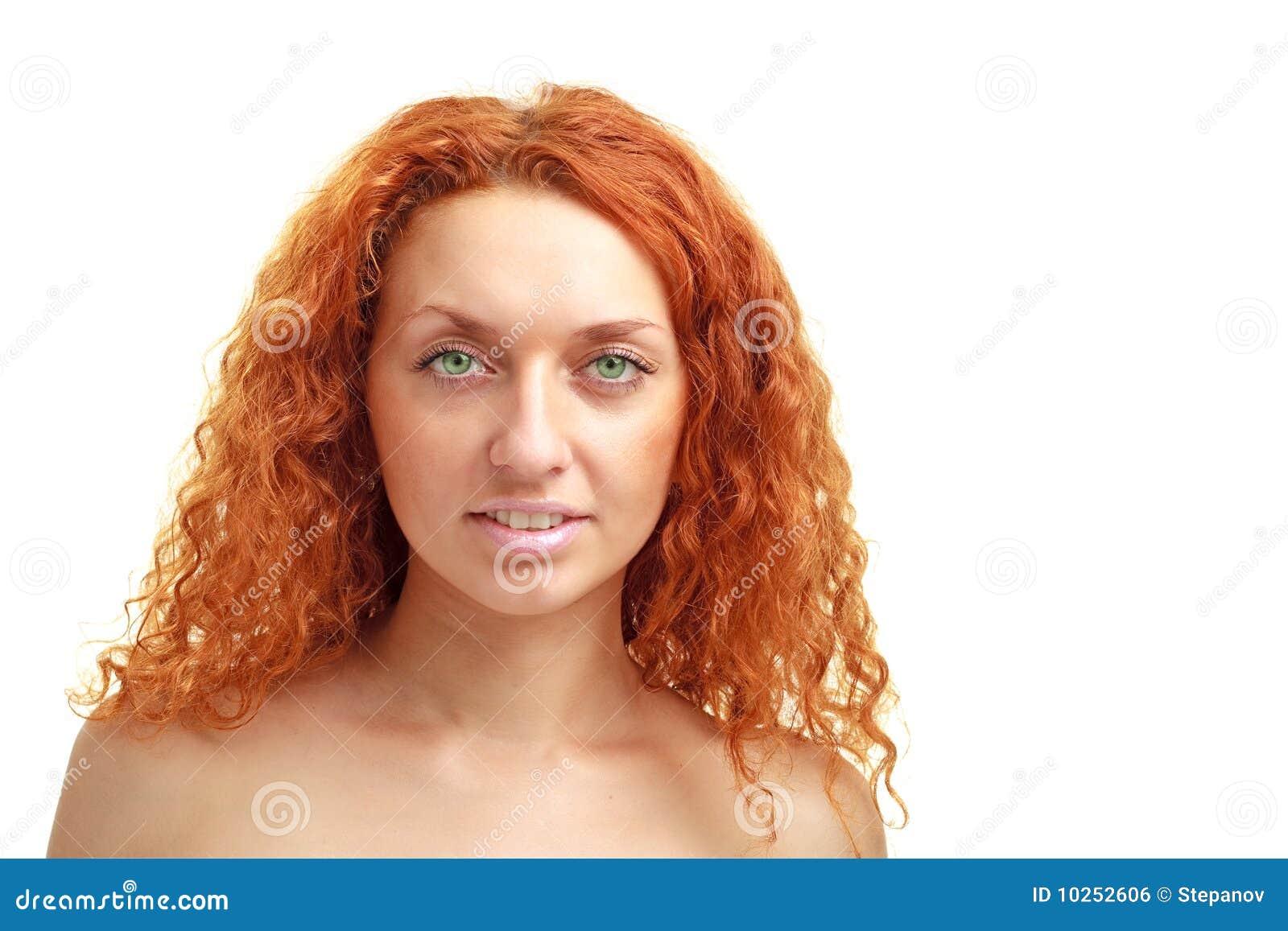 женщина copyspace с волосами красная