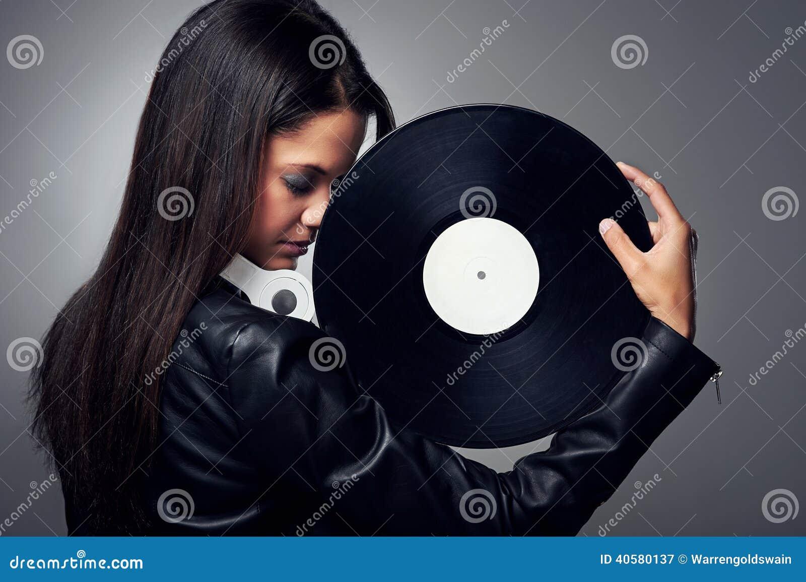 Женщина DJ