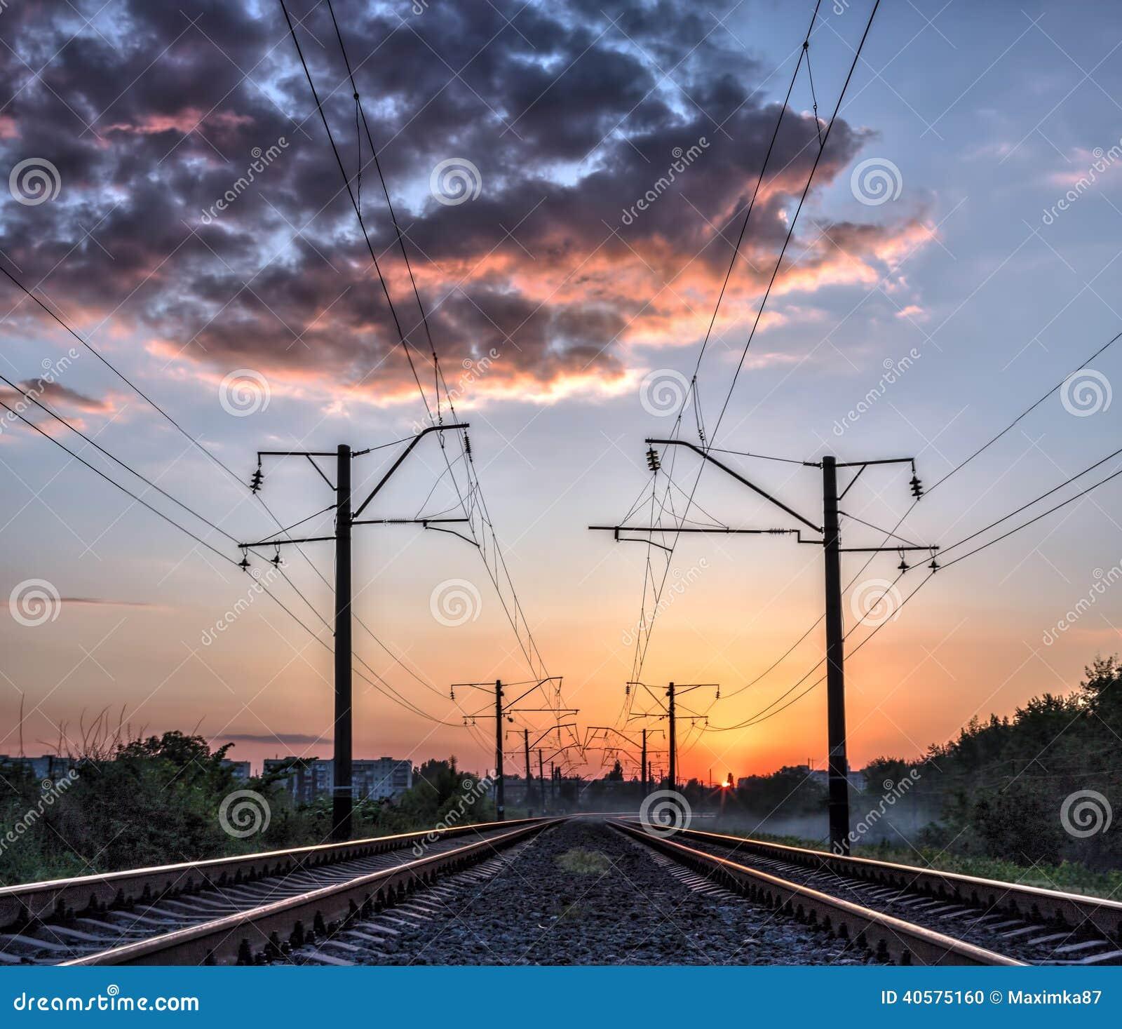 Железная дорога и солнечный свет мистика