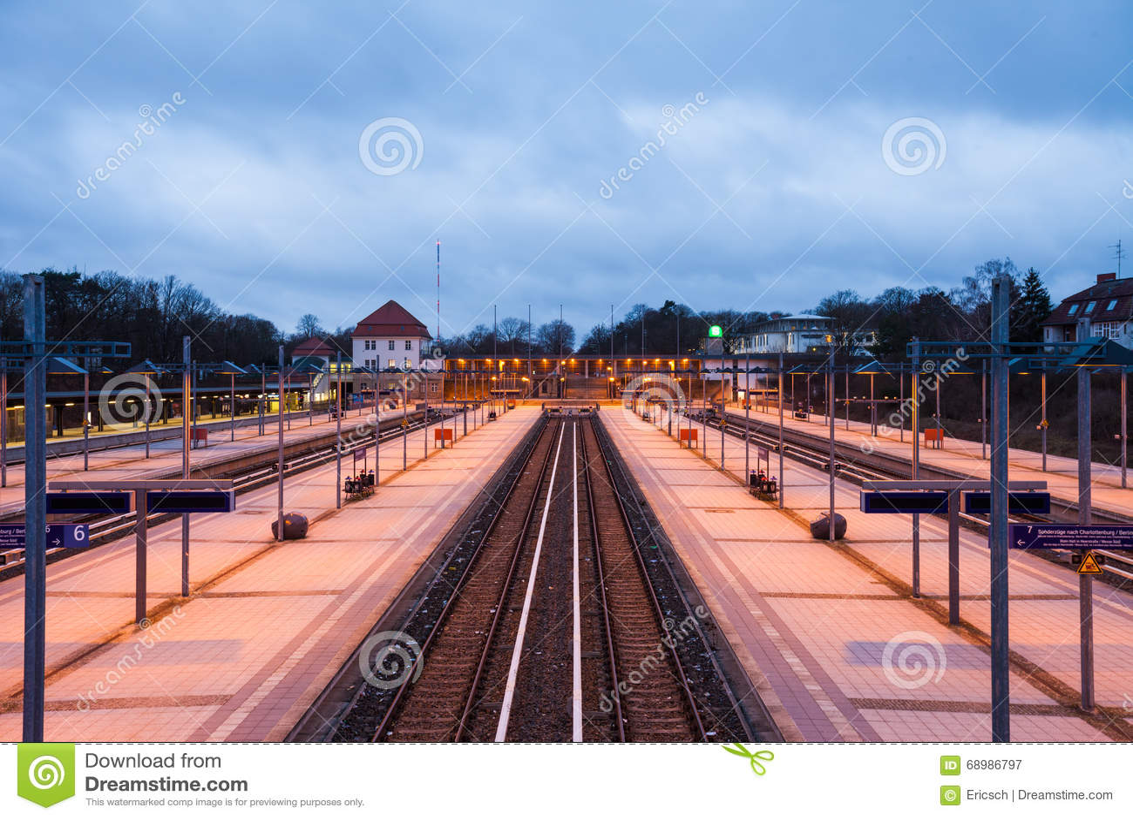 Железнодорожные платформы, Берлин Olympiastadion
