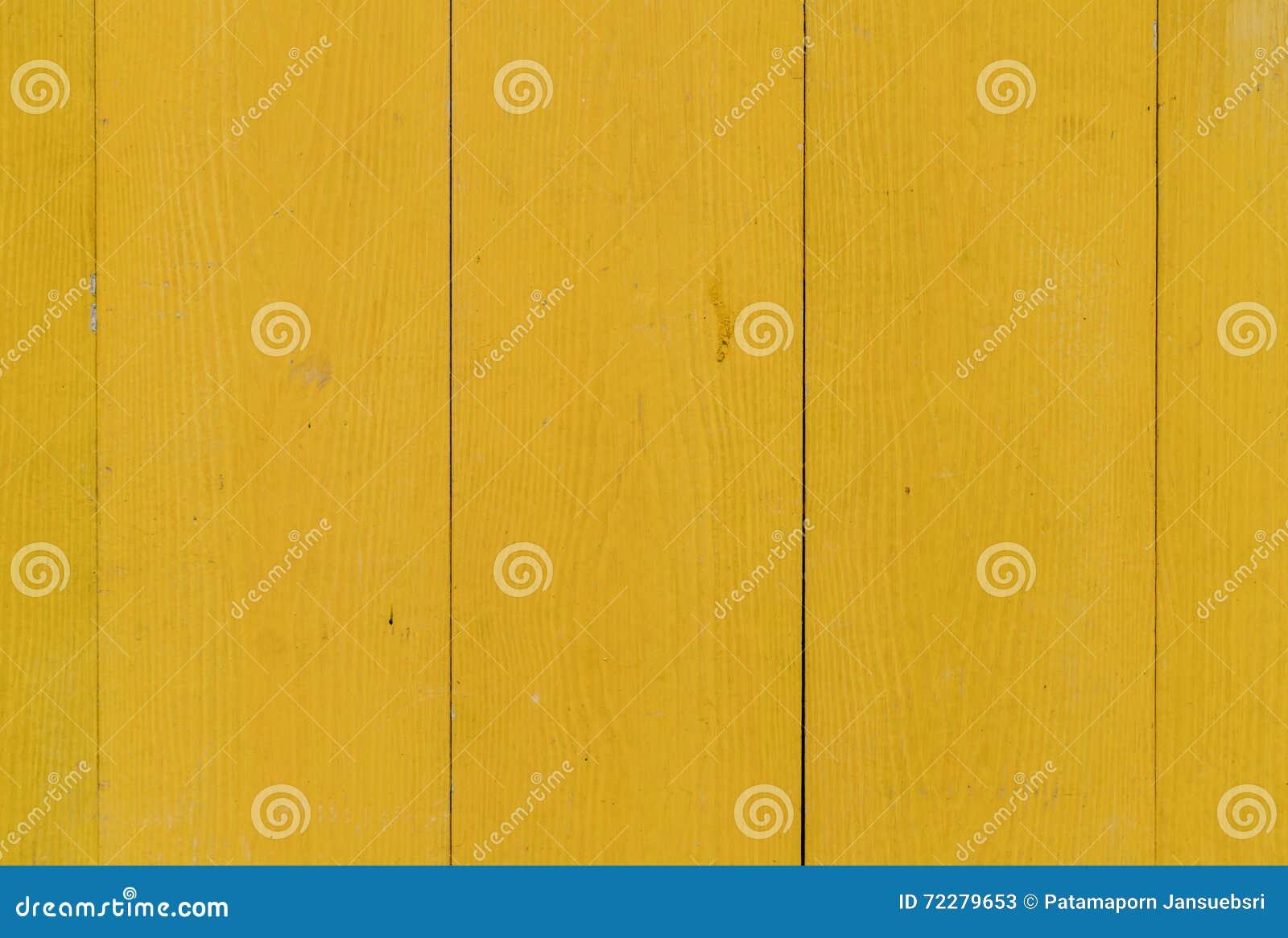Download Желтая деревянная стена стоковое изображение. изображение насчитывающей плотничество - 72279653