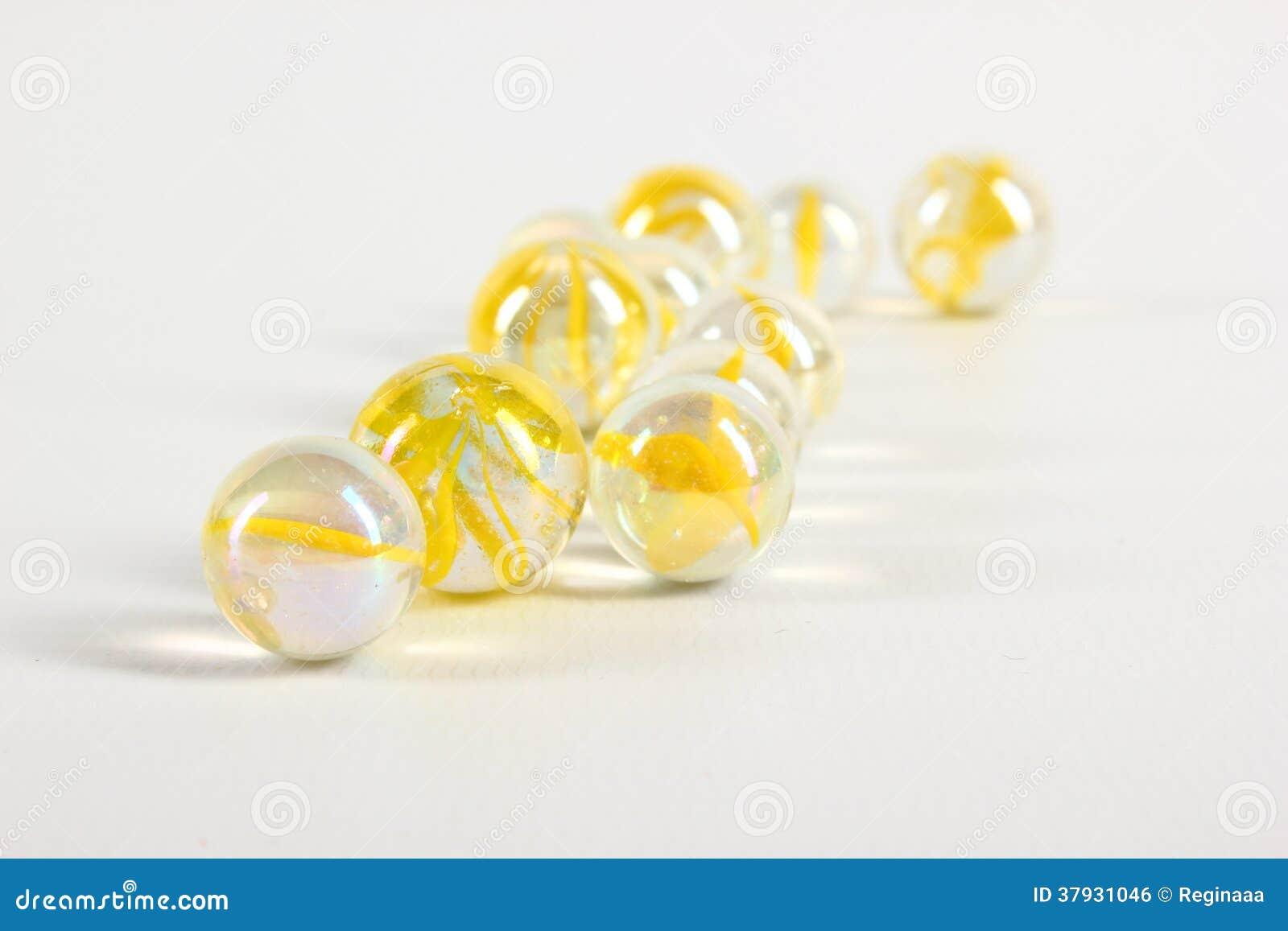 Желтые мраморы
