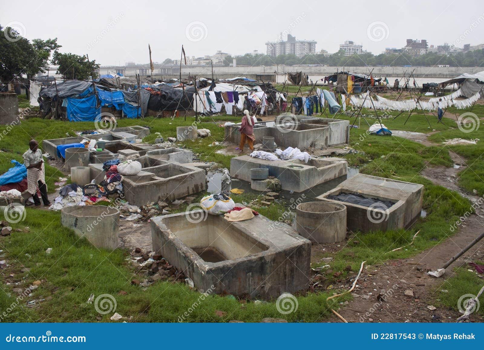 живущая трущоба бедных людей