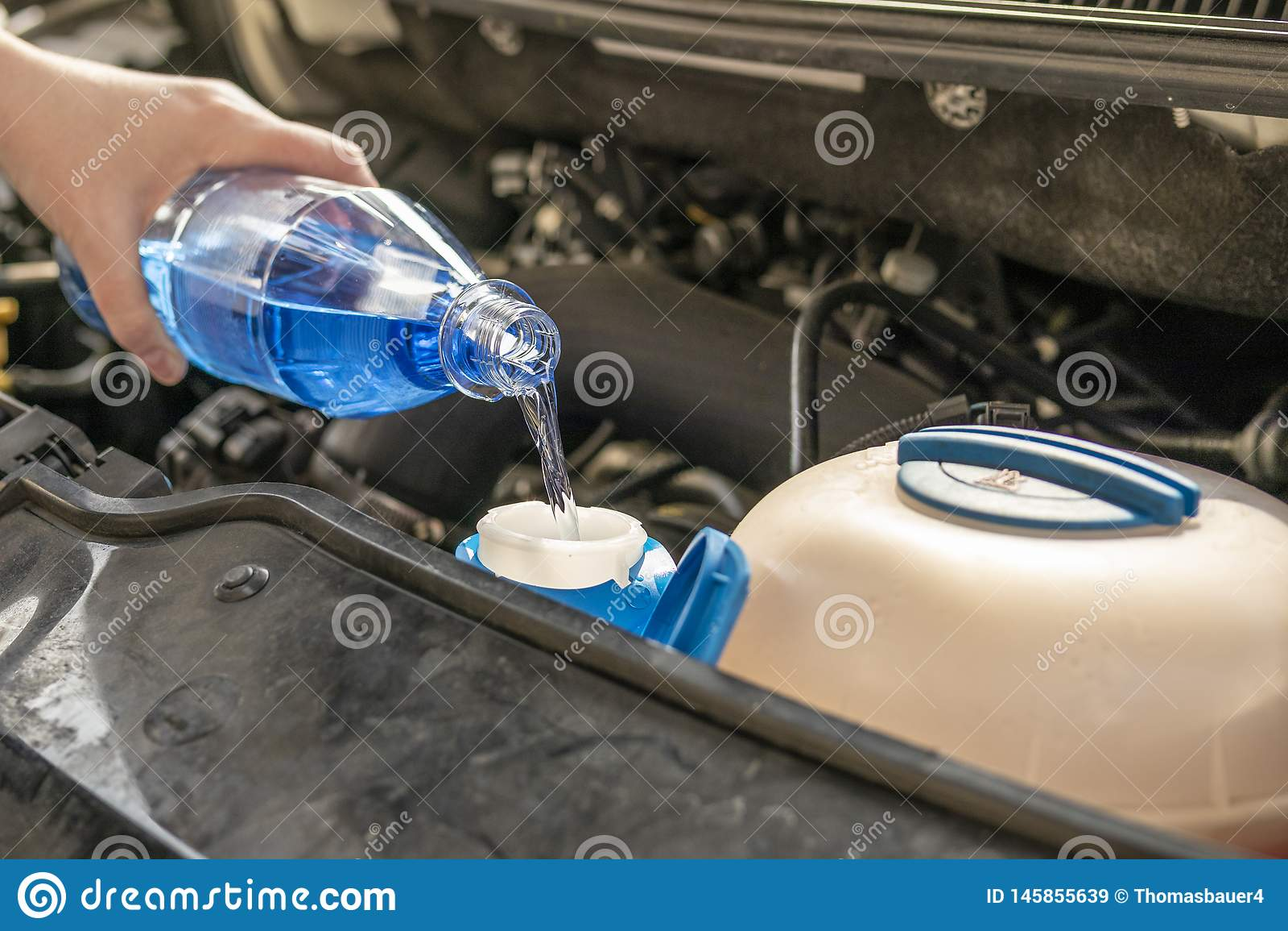 Жидкость мытья refill проверки мотора