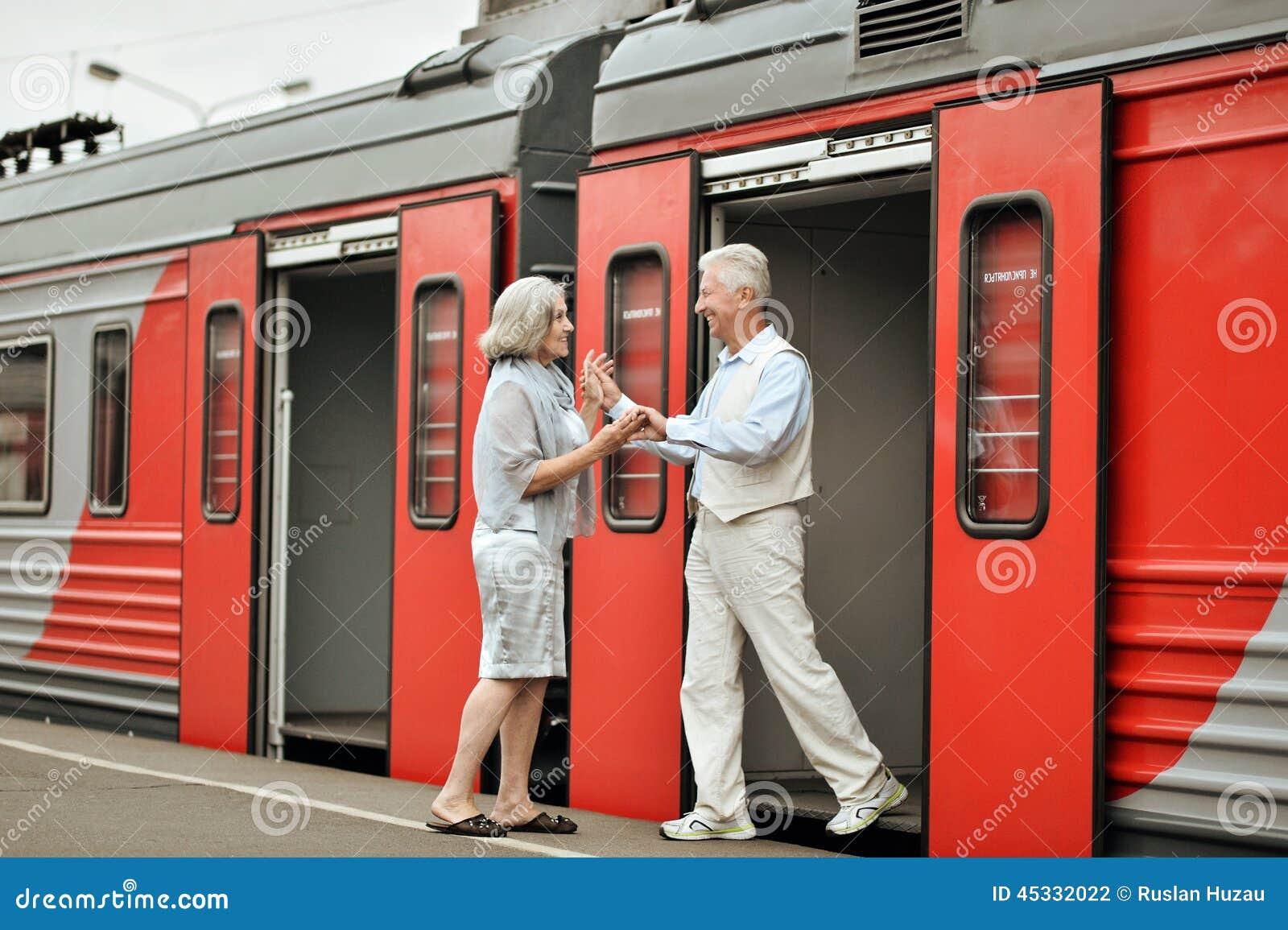 Жизненно важные пожилые пары