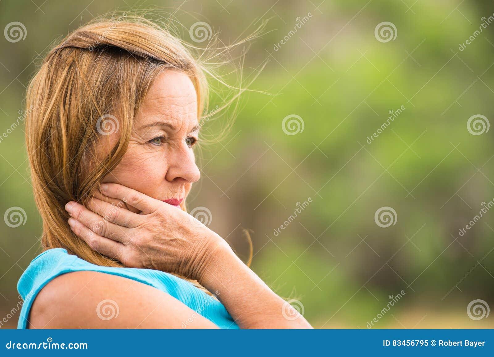 Заботливые зрелые женщины, классная сочная телка трахается по полной программе видео