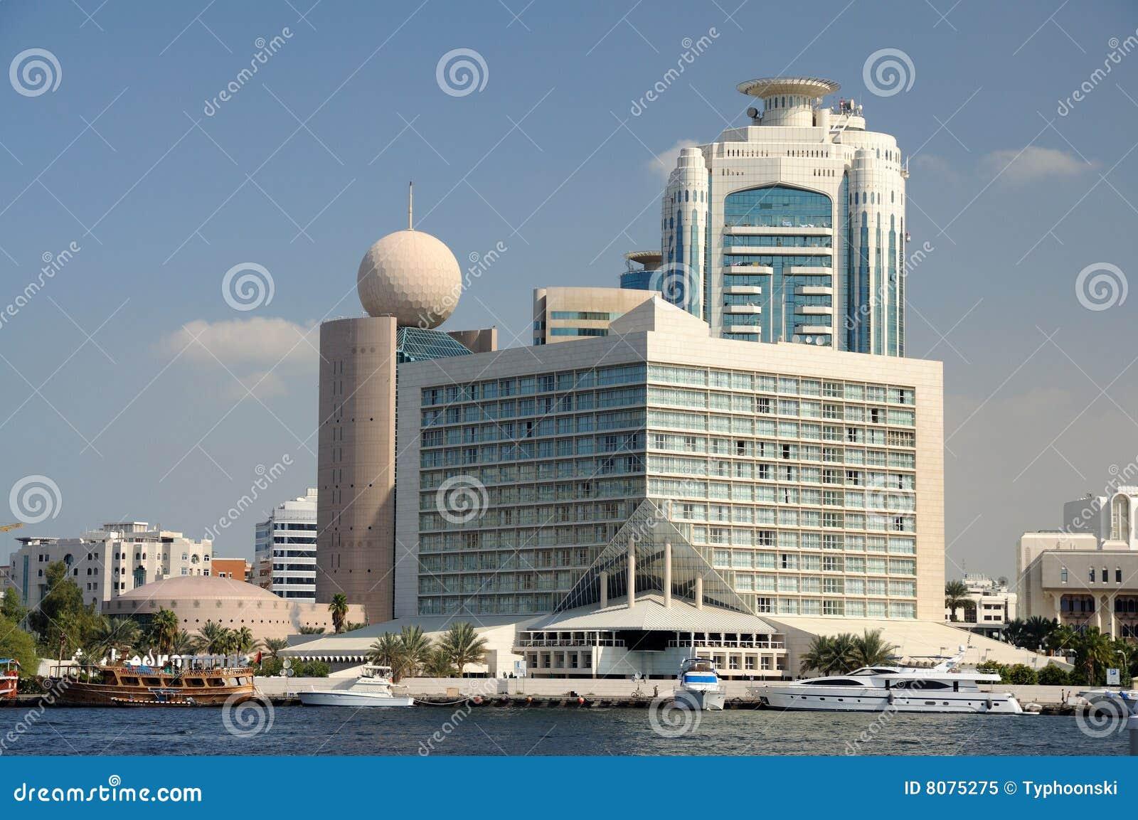 заводь Дубай зданий