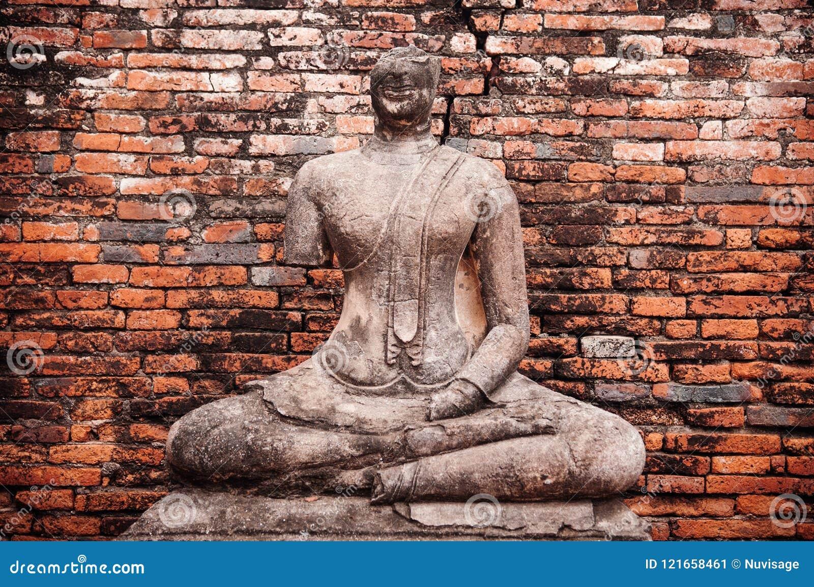 Загубленная скульптура Будды Wat Chai Watthanaram, Ayutthaya, тайского