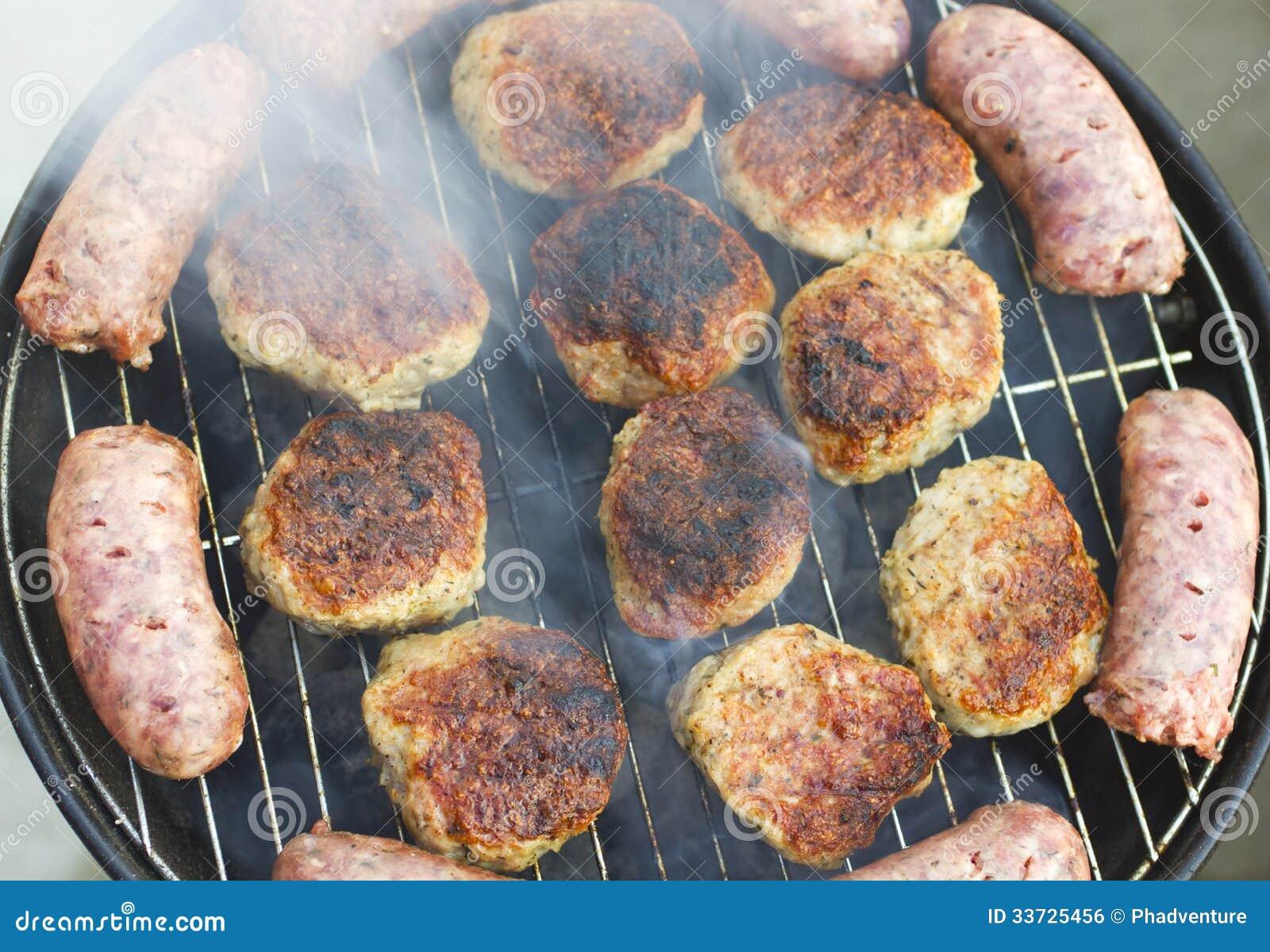 Зажженные сосиски и фрикадельки