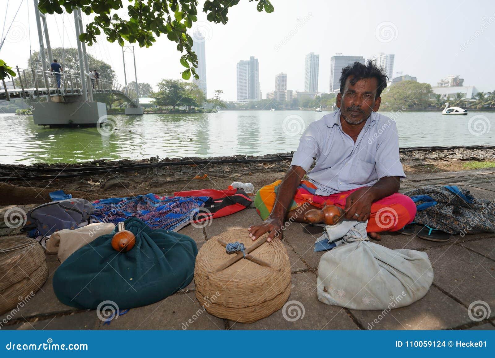 Заклинатель змей от Коломбо в Шри-Ланке