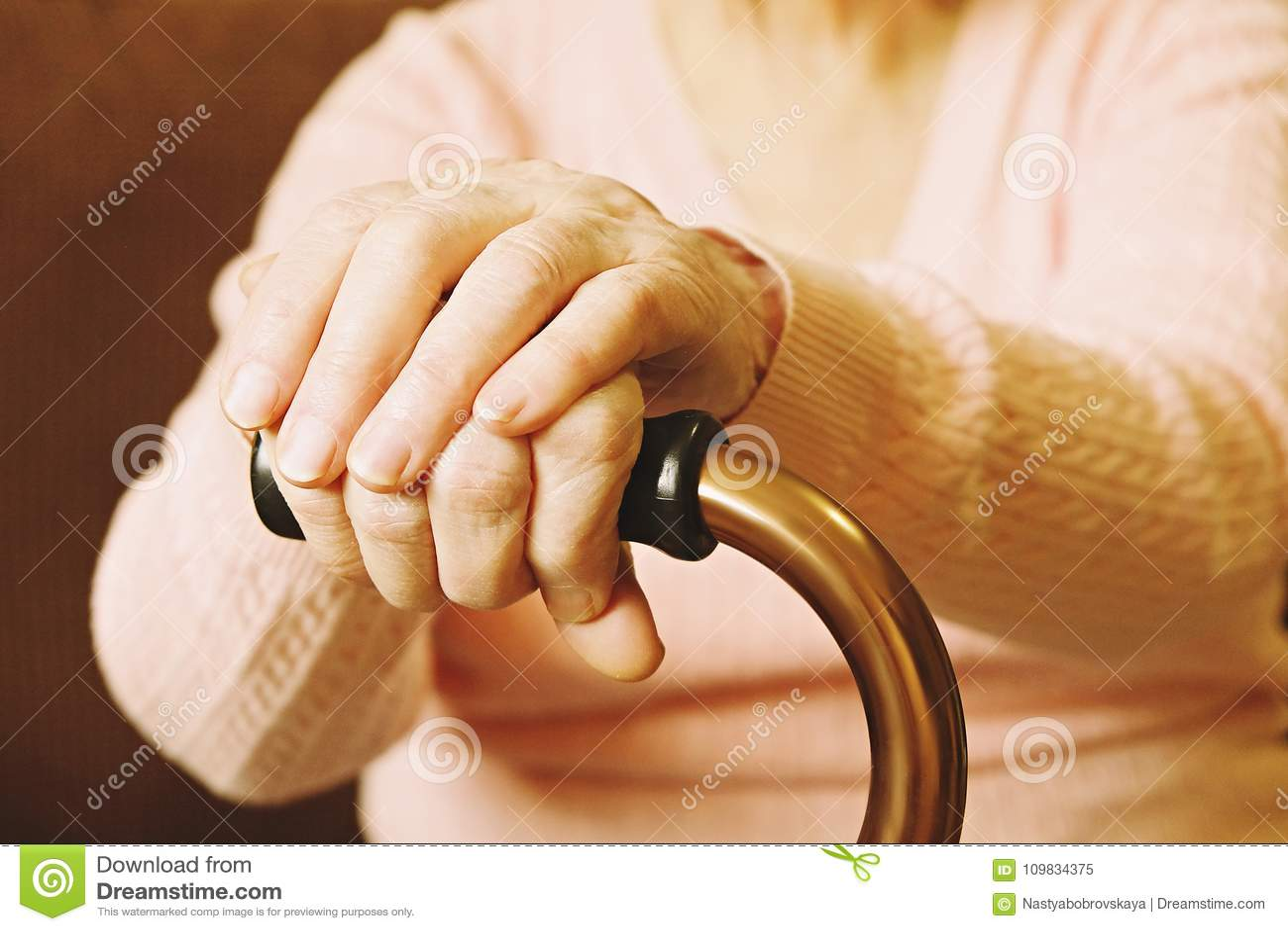 Бабушки помощь дома престарелых пансионат для престарелых сколько стоит
