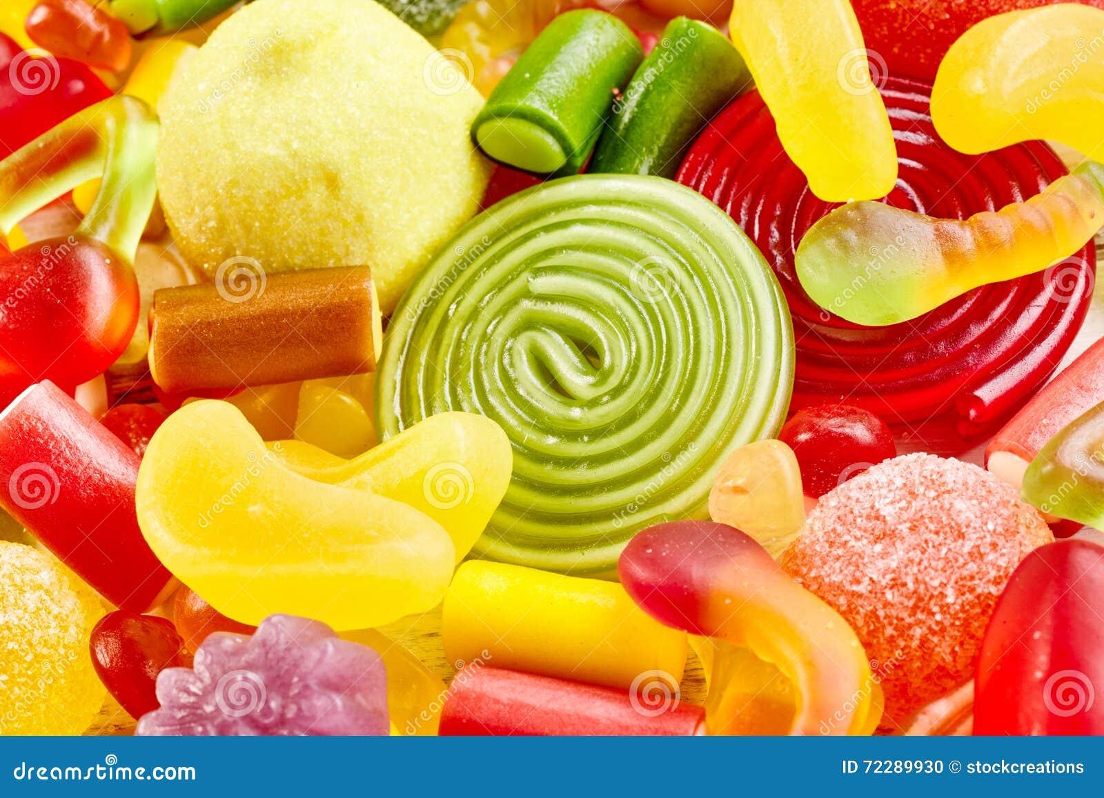 Download Закройте вверх по взгляду очень вкусных конфет в куче Стоковое Фото - изображение насчитывающей высоко, вниз: 72289930