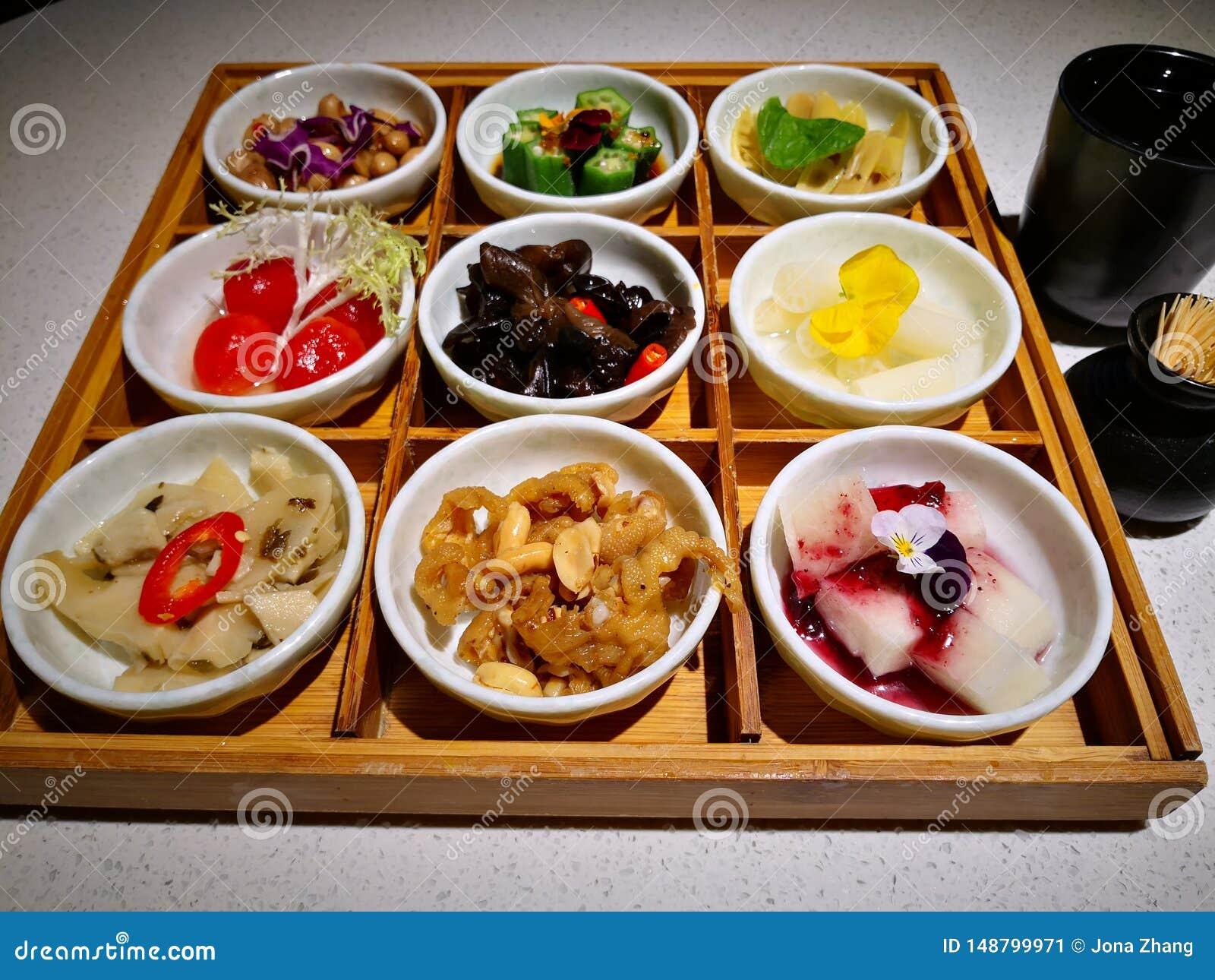 закуска Пре-обедающего в подносе 9 решеток