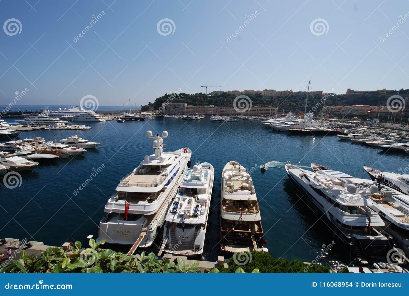 Залив Монако, Марина, гавань, док, водяная поверхность